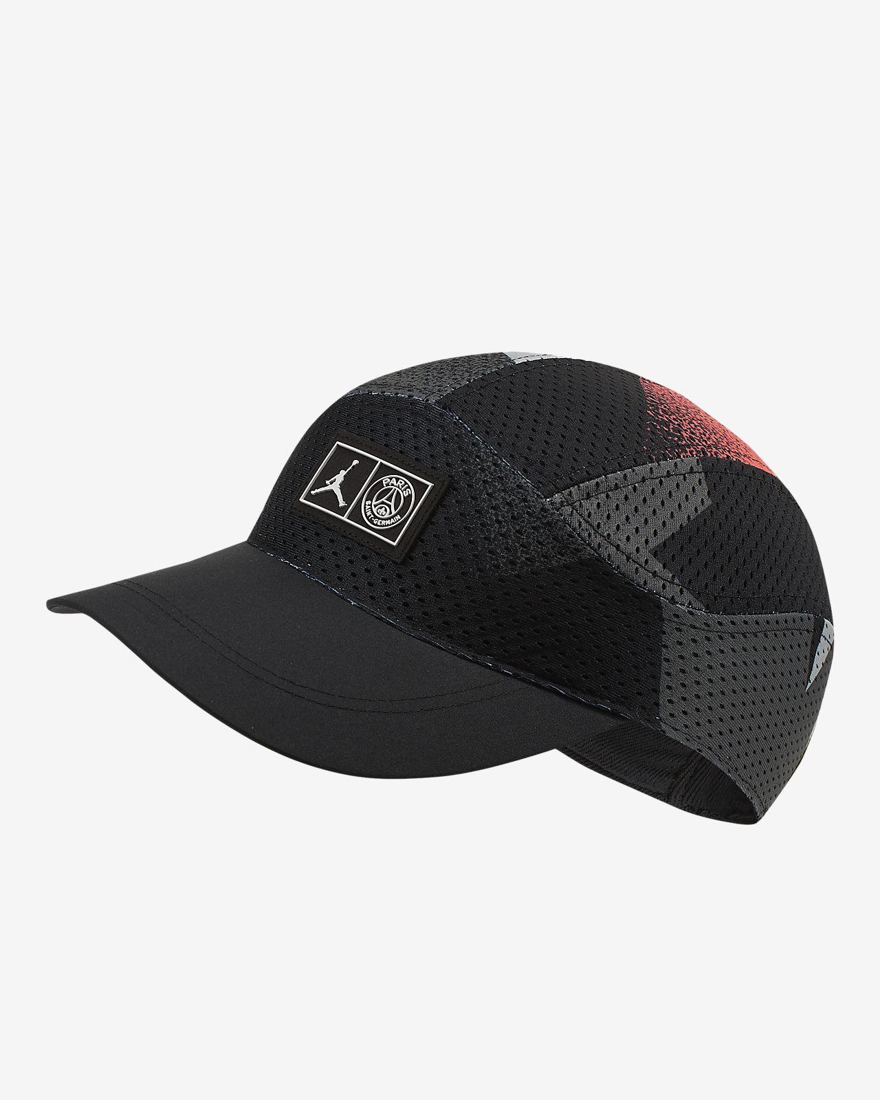 Paris Saint-Germain Tailwind caps