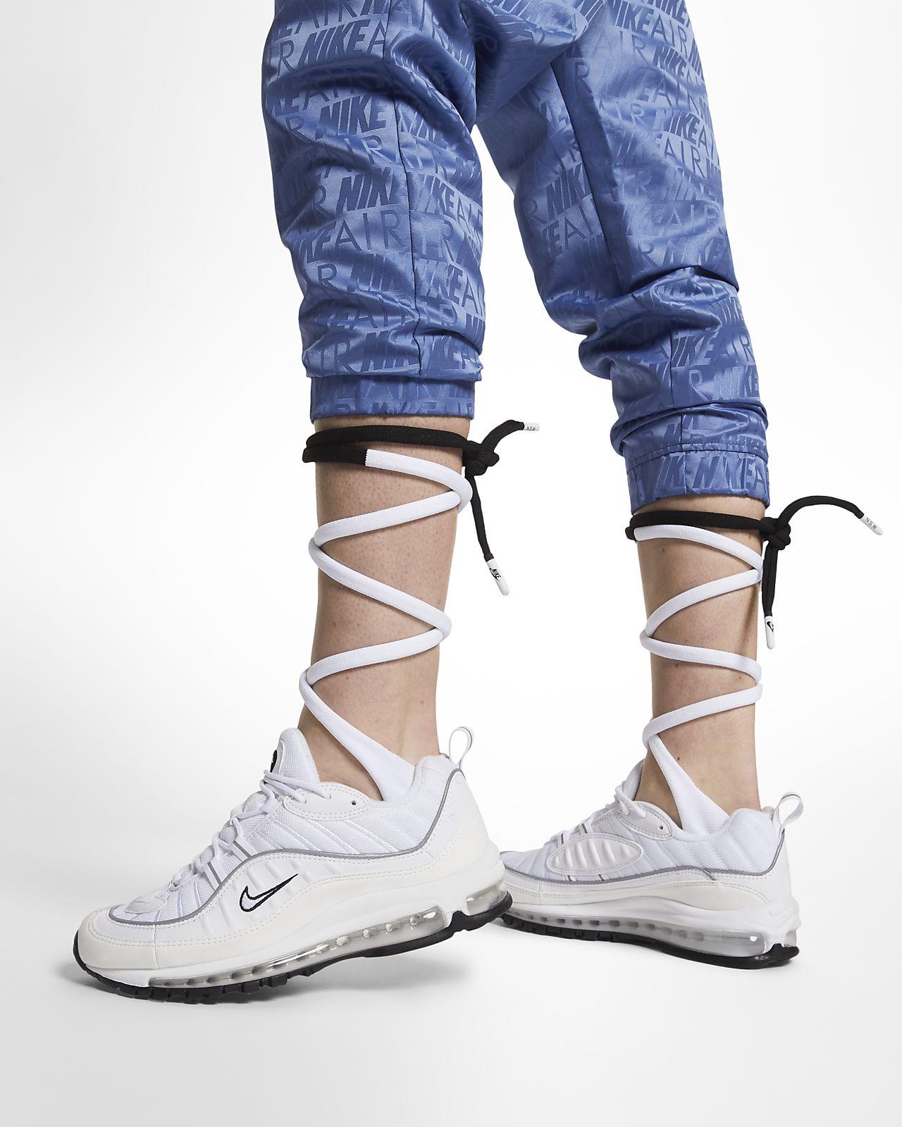 Nike Bağcıklı Diz Boyu Kadın Çorapları