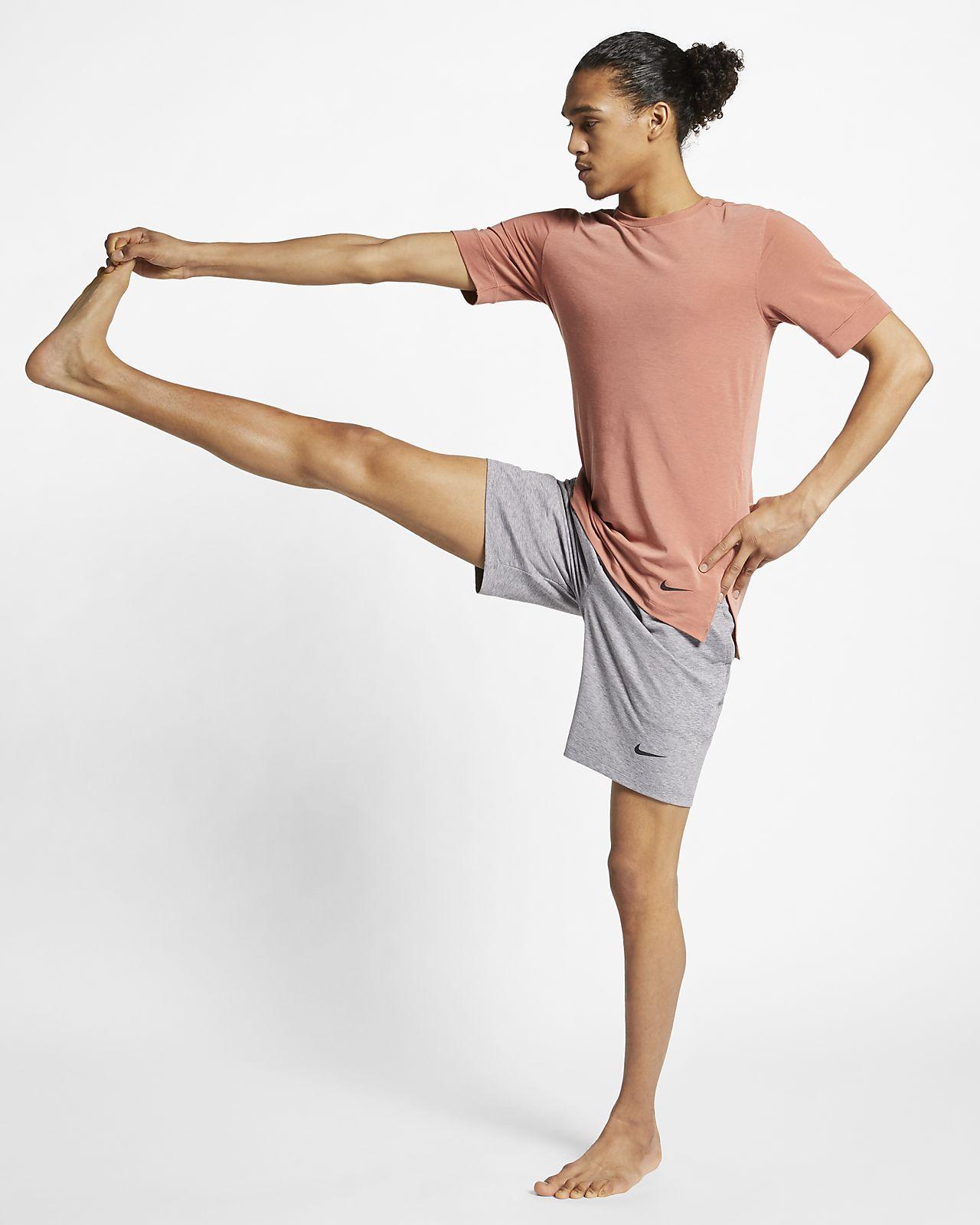 Nike Dri-FIT-kortærmet yogatræningstop til mænd