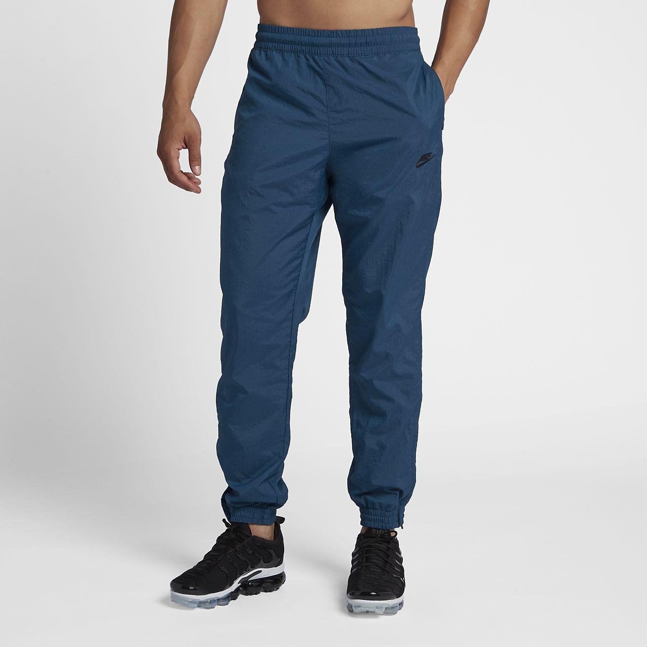 45158c2cc9e Pantalon de jogging tissé Nike Sportswear. Nike.com CA