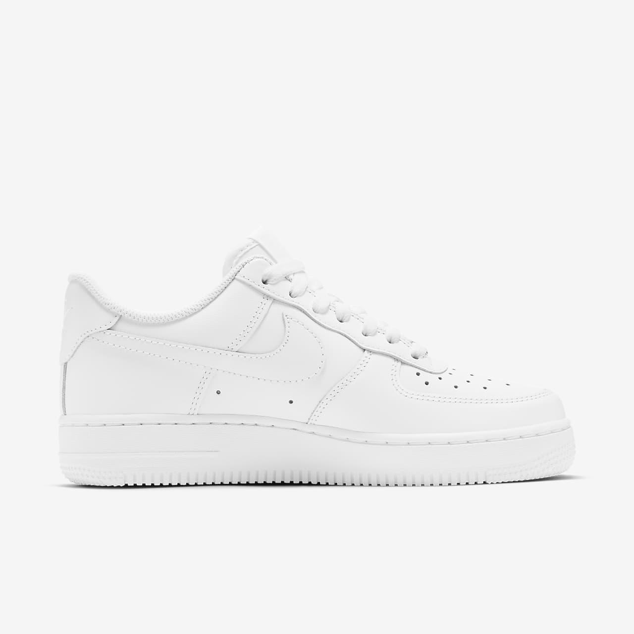 Nike Air Force 1'07 Kadın Beyaz Sneaker