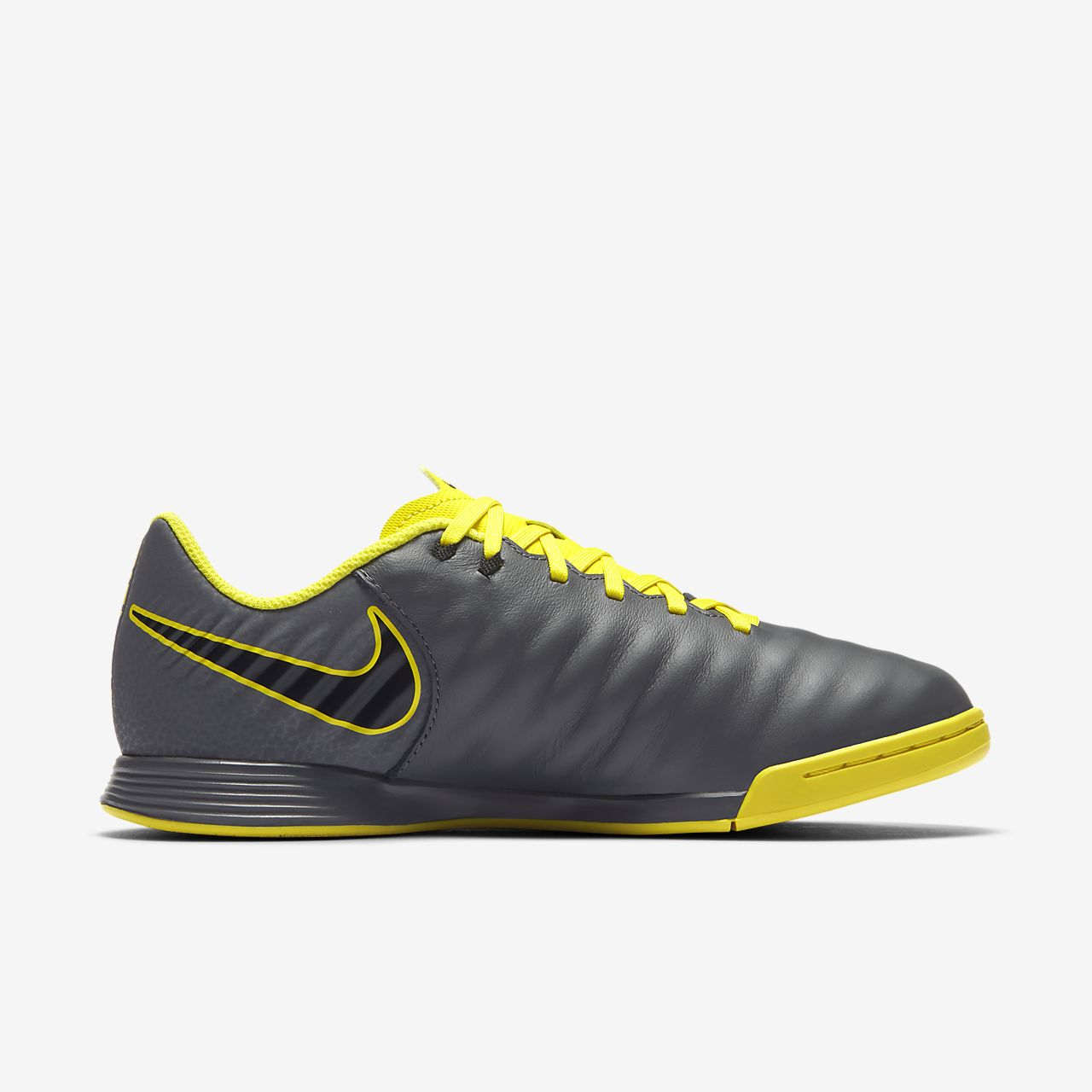 finest selection 0b438 fe294 ... Chaussure de football en salle à crampons Nike Jr. Tiempo LegendX VII  Academy IC pour