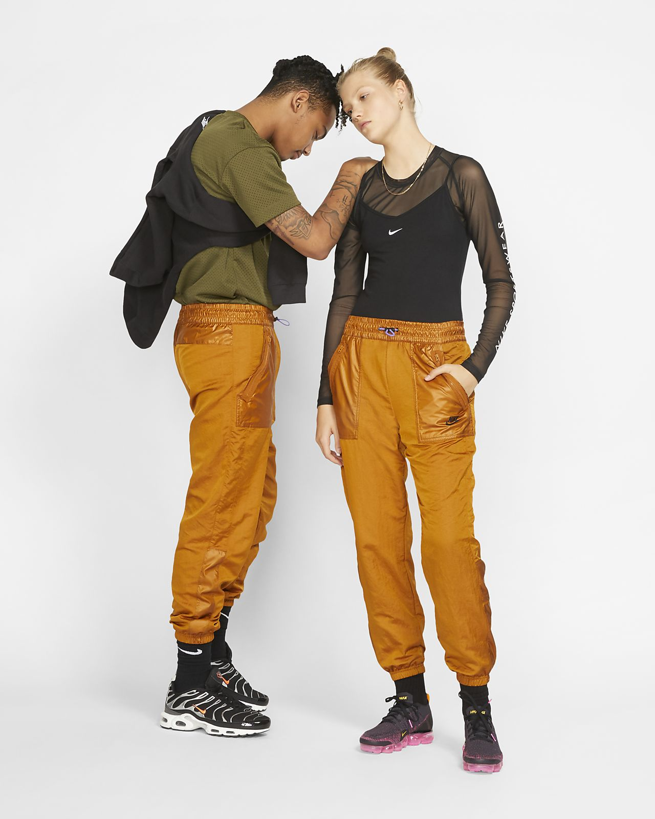 Nike Sportswear 女款梭織工作褲