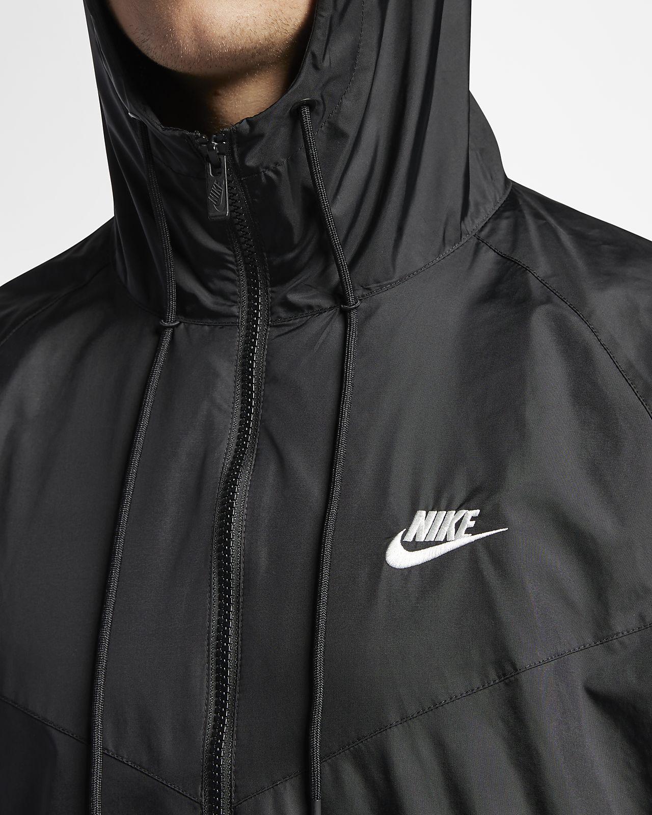 Windrunner Jacket in Black