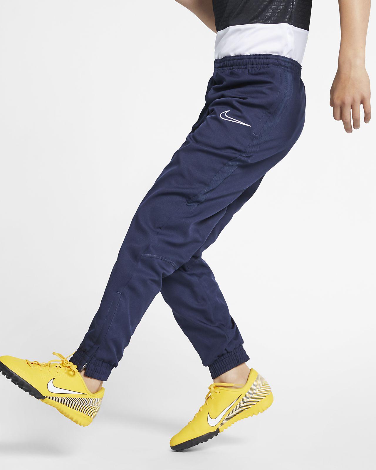 Pantalones de fútbol para niños talla grande Nike Dri-FIT Academy ... 299c07f0adff3