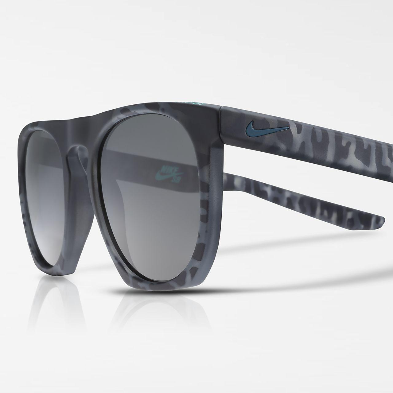 Solglasögon Nike Flatspot