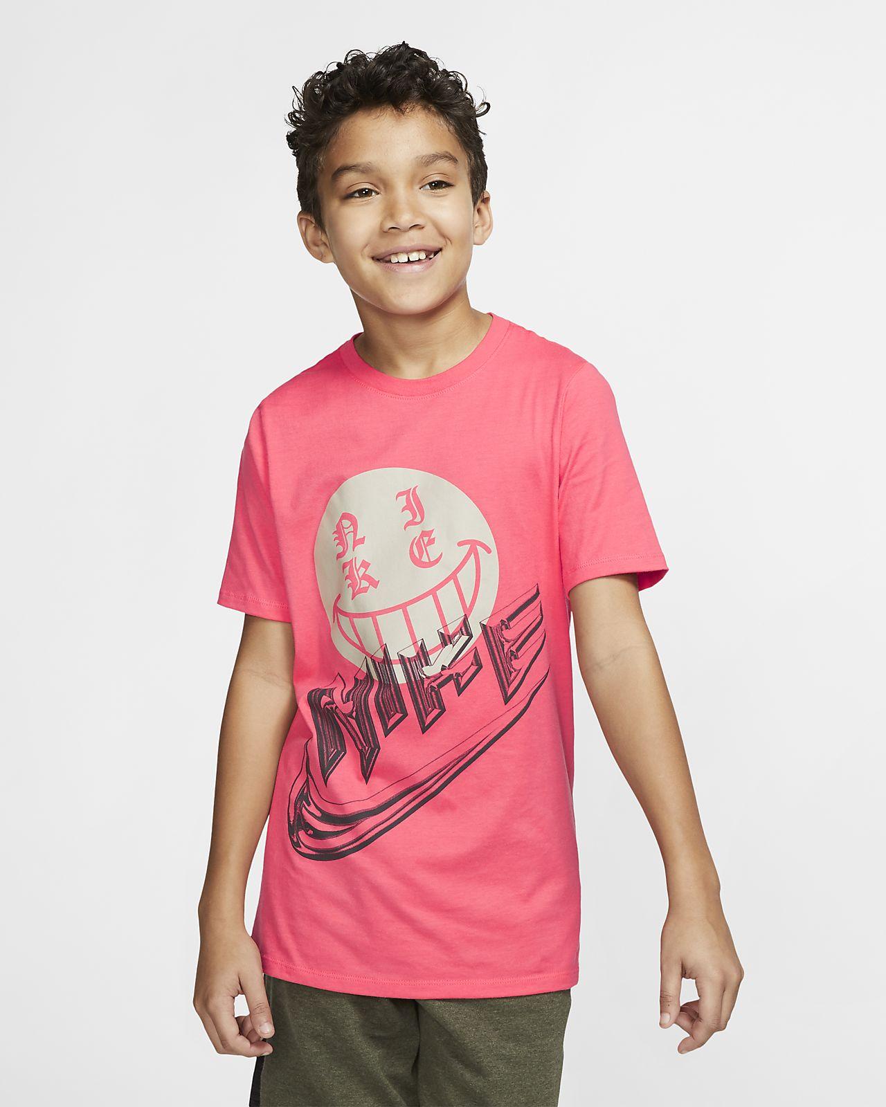 Nike Sportswear 大童 (男童) 顯色 T 恤