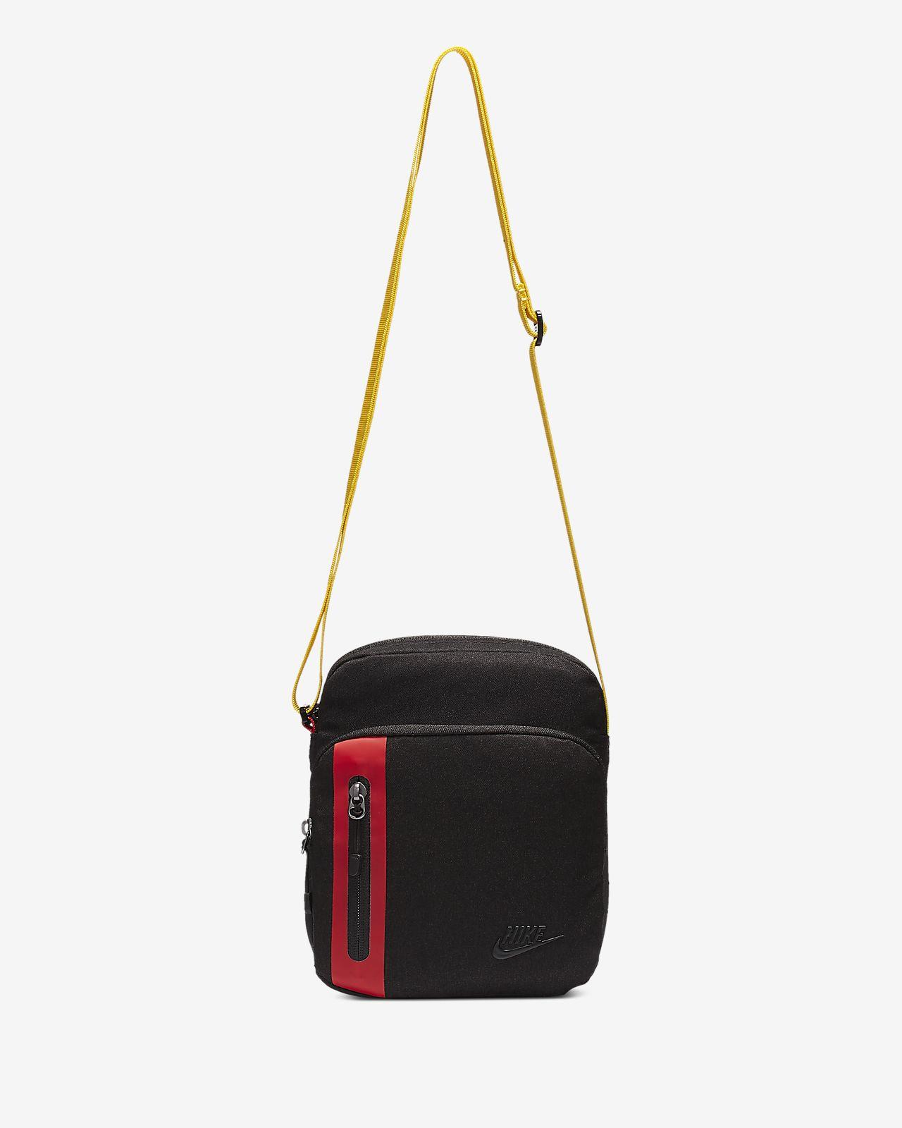 Taška Nike Tech přes rameno