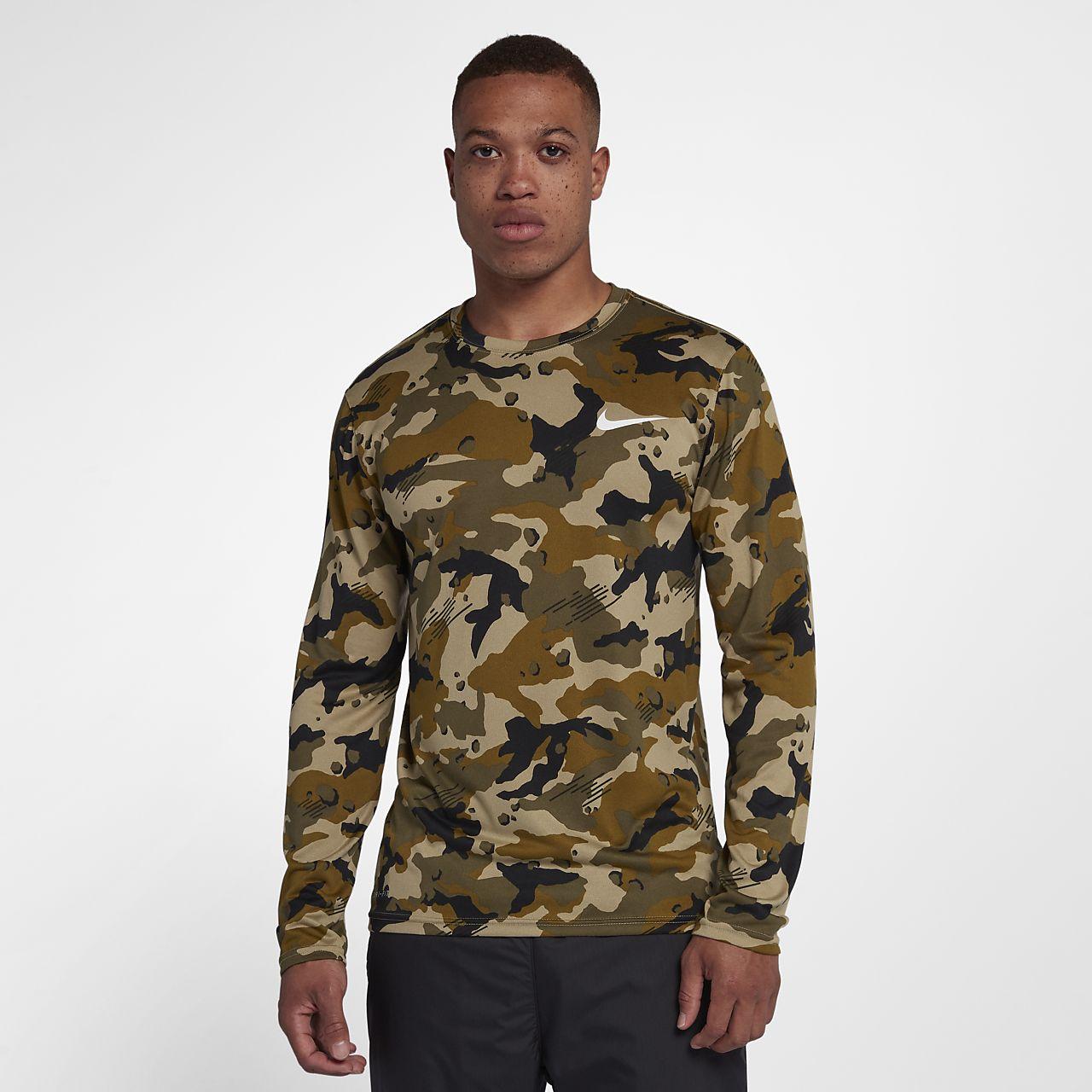 Långärmad tröja Nike Dri-FIT Legend med kamouflagetryck för män