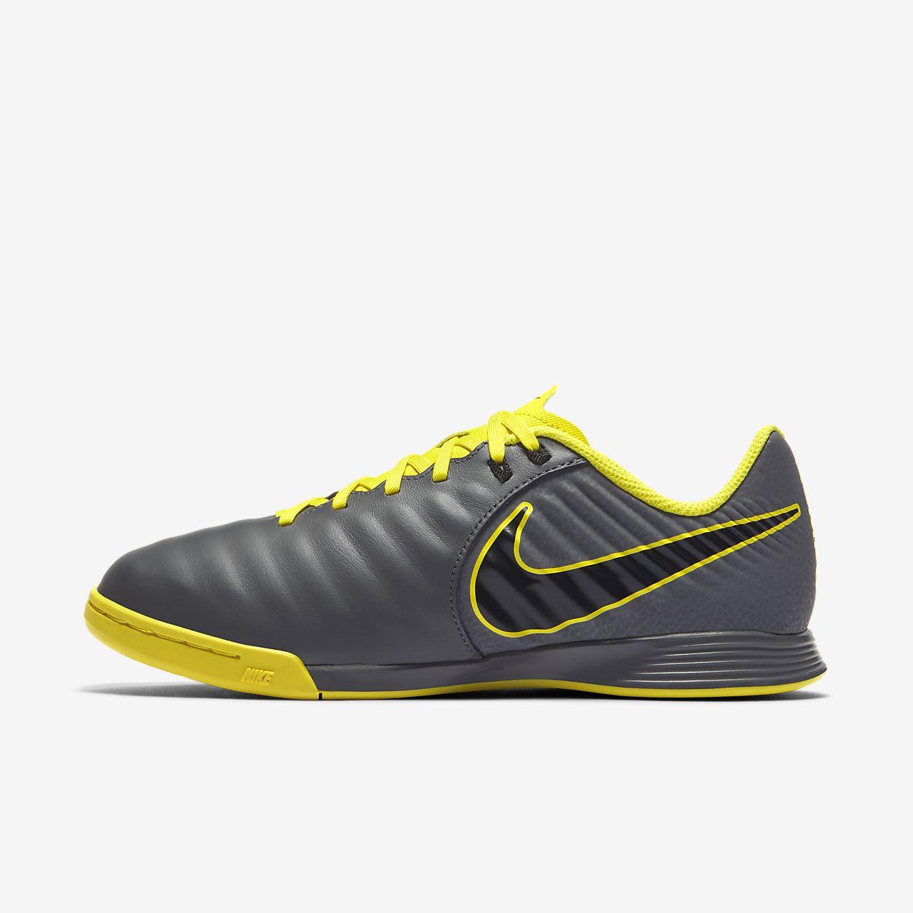 ... Scarpa da calcio per campo indoor Nike Jr. Tiempo LegendX VII Academy IC  - Bambini b8439fc5904