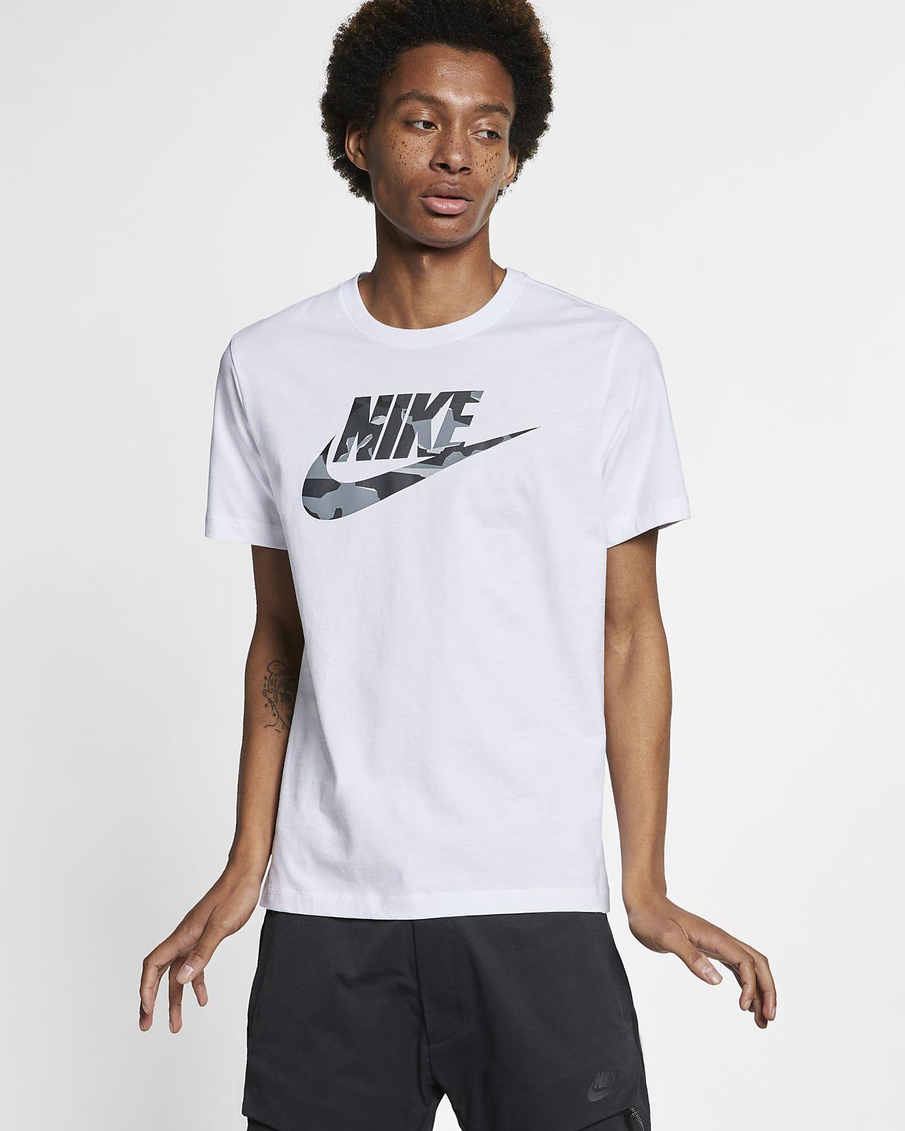 เสื้อยืดผู้ชายลายพราง Nike Sportswear