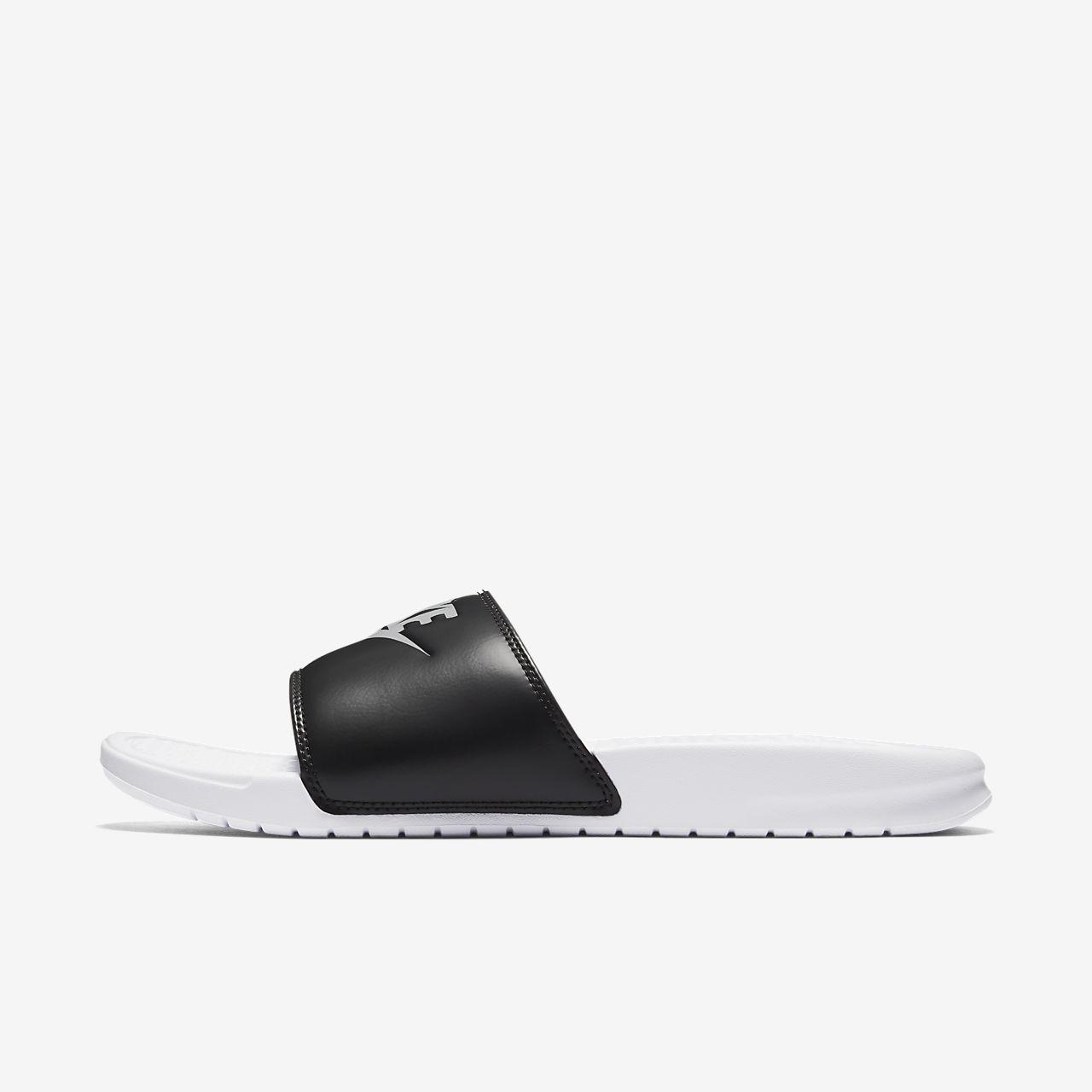 Low Resolution Nike Benassi Men's Slide Nike Benassi Men's Slide