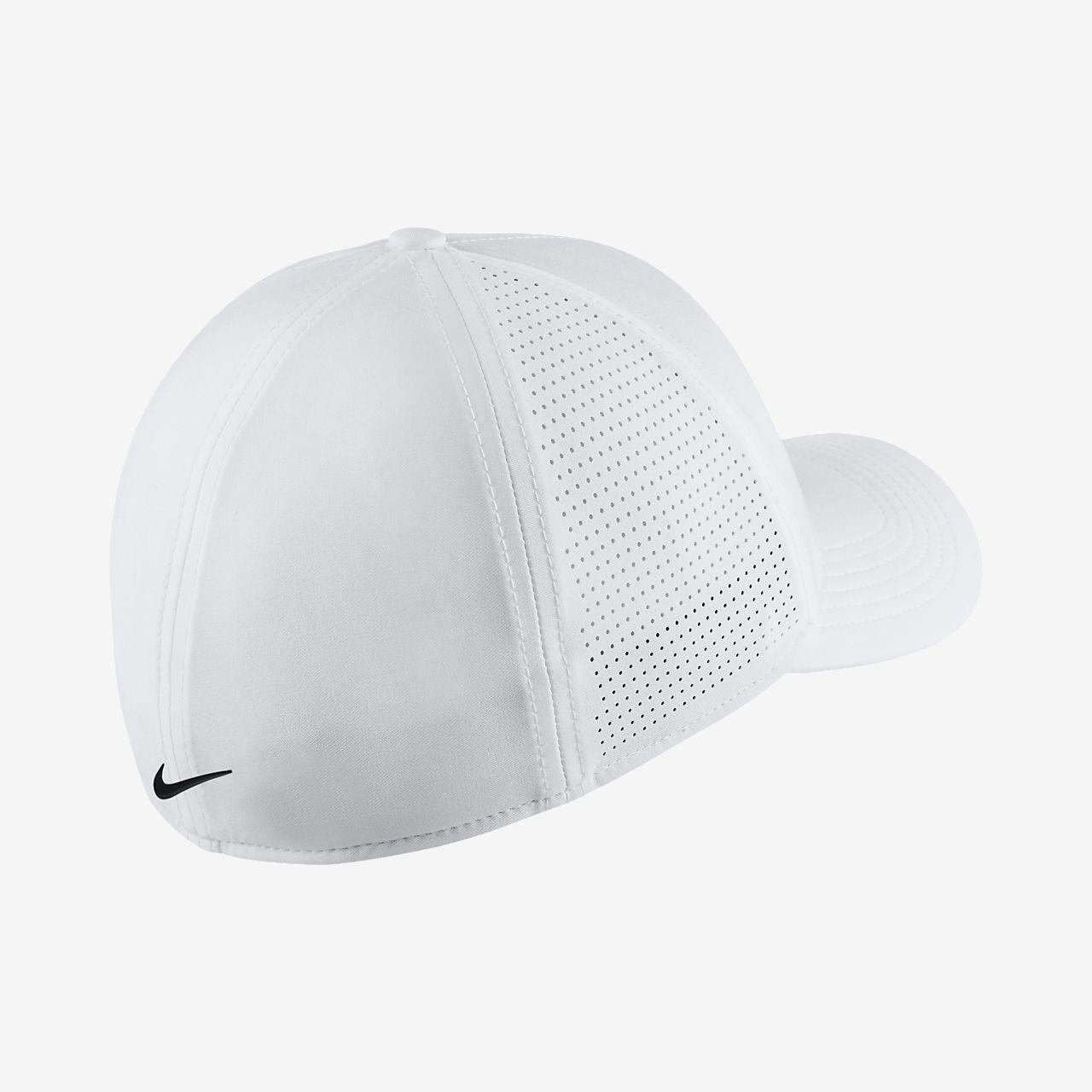 f67deac5665 Nike AeroBill Classic 99 Fitted Golf Hat. Nike.com