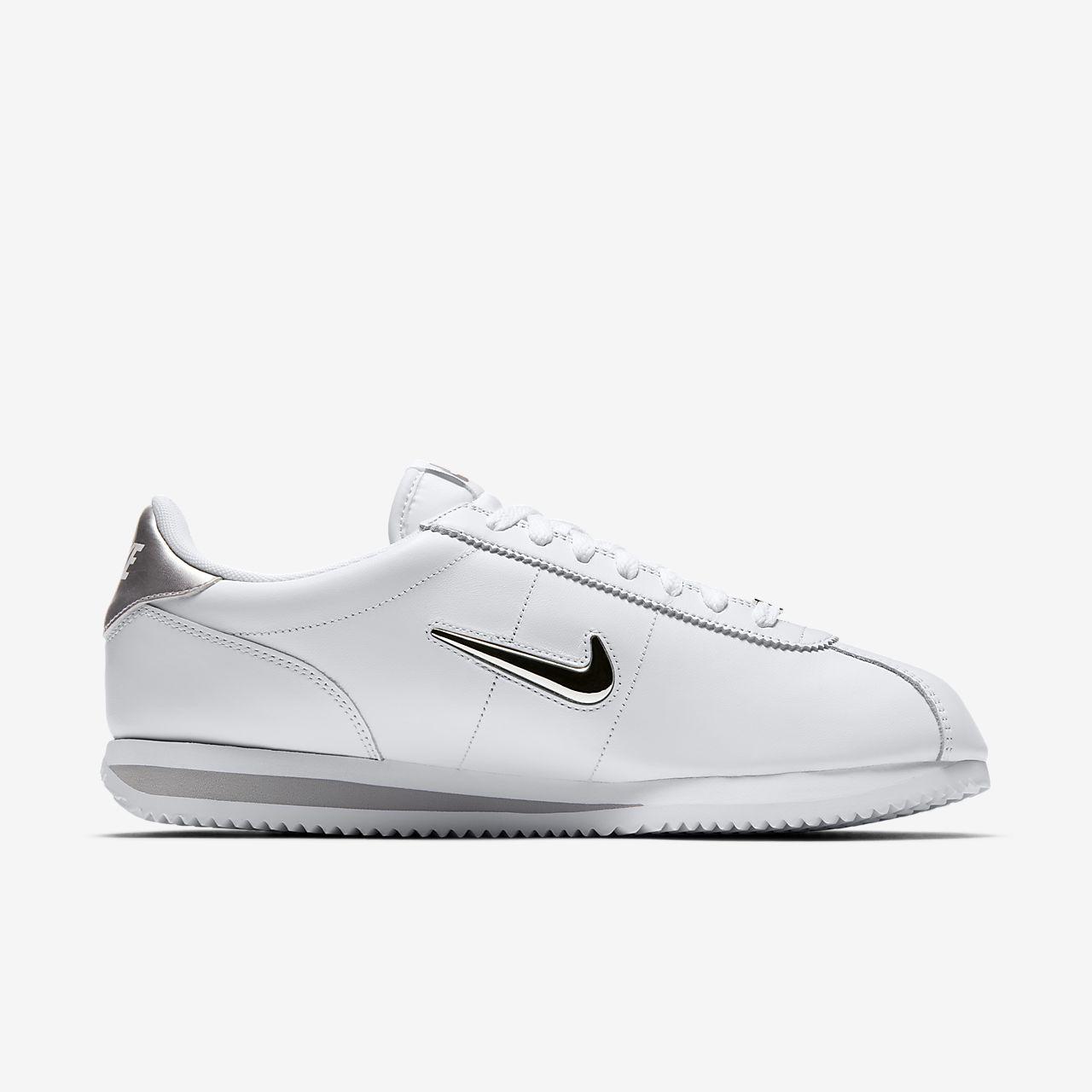 Nike Cortez Basic Jewel, Baskets Homme, Blanc (White/Metallic Silver), 45 EU