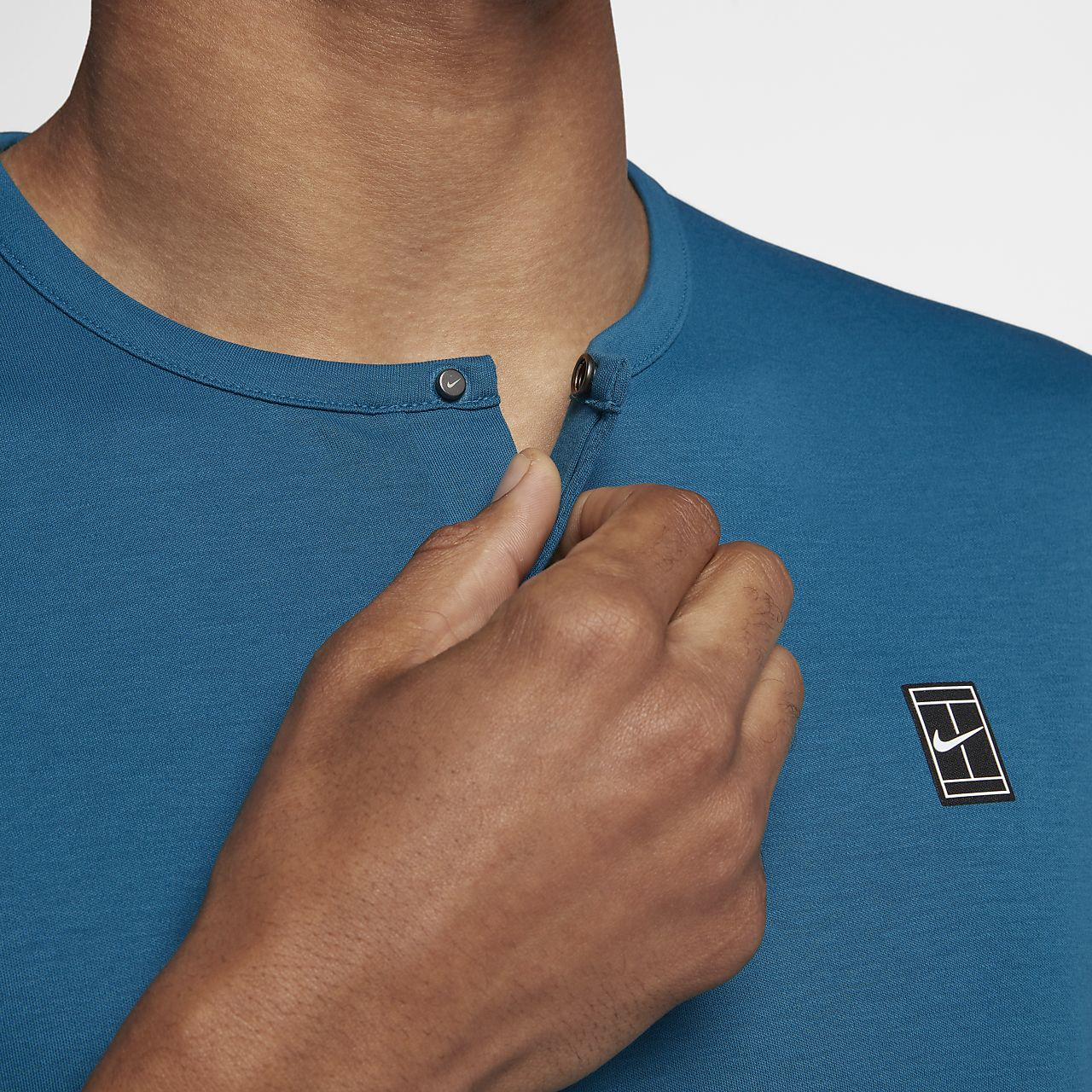 c47caf70 NikeCourt Men's Short-Sleeve Tennis Top. Nike.com CH