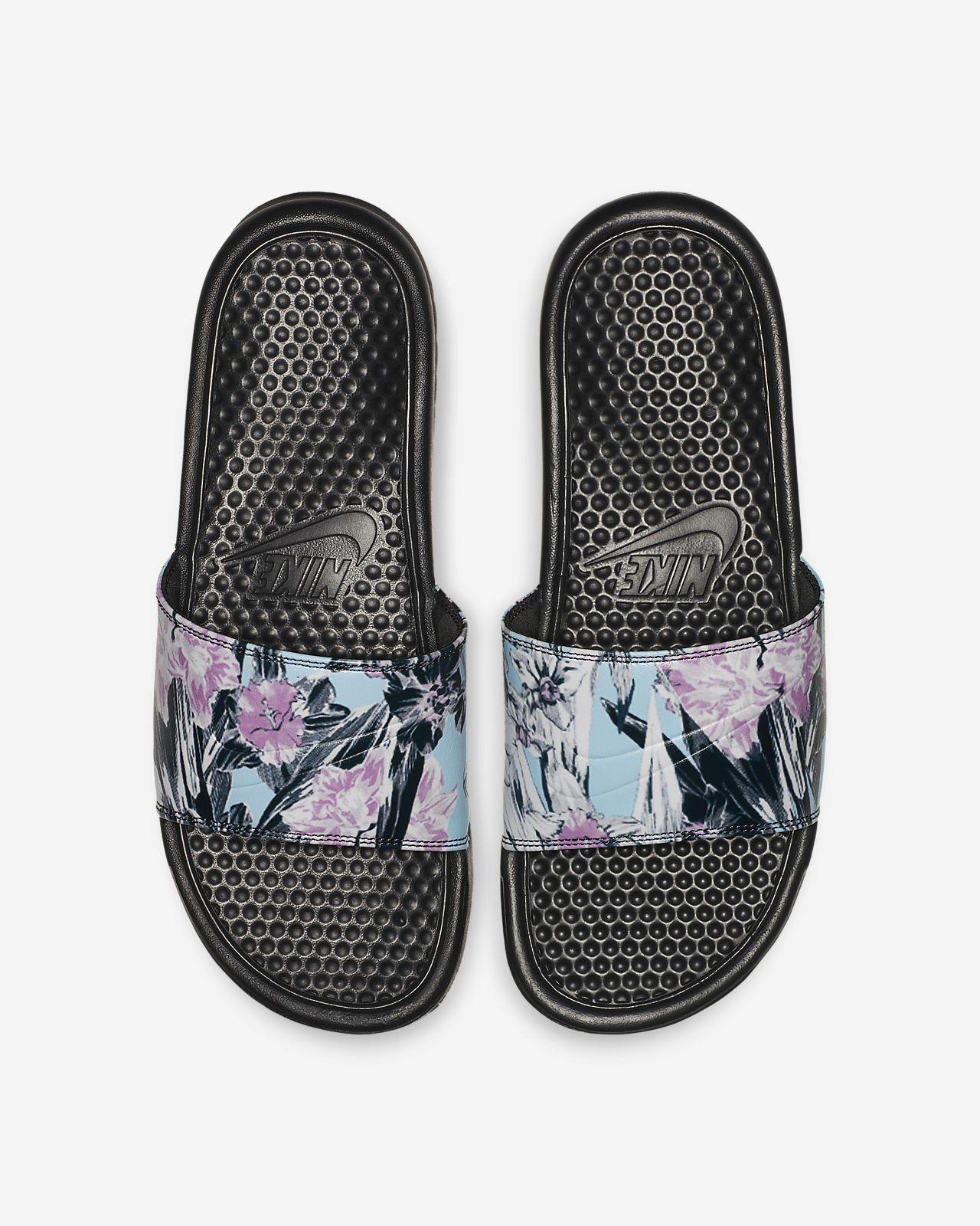รองเท้าแตะผู้หญิงแบบสวม Nike Benassi JDI Floral