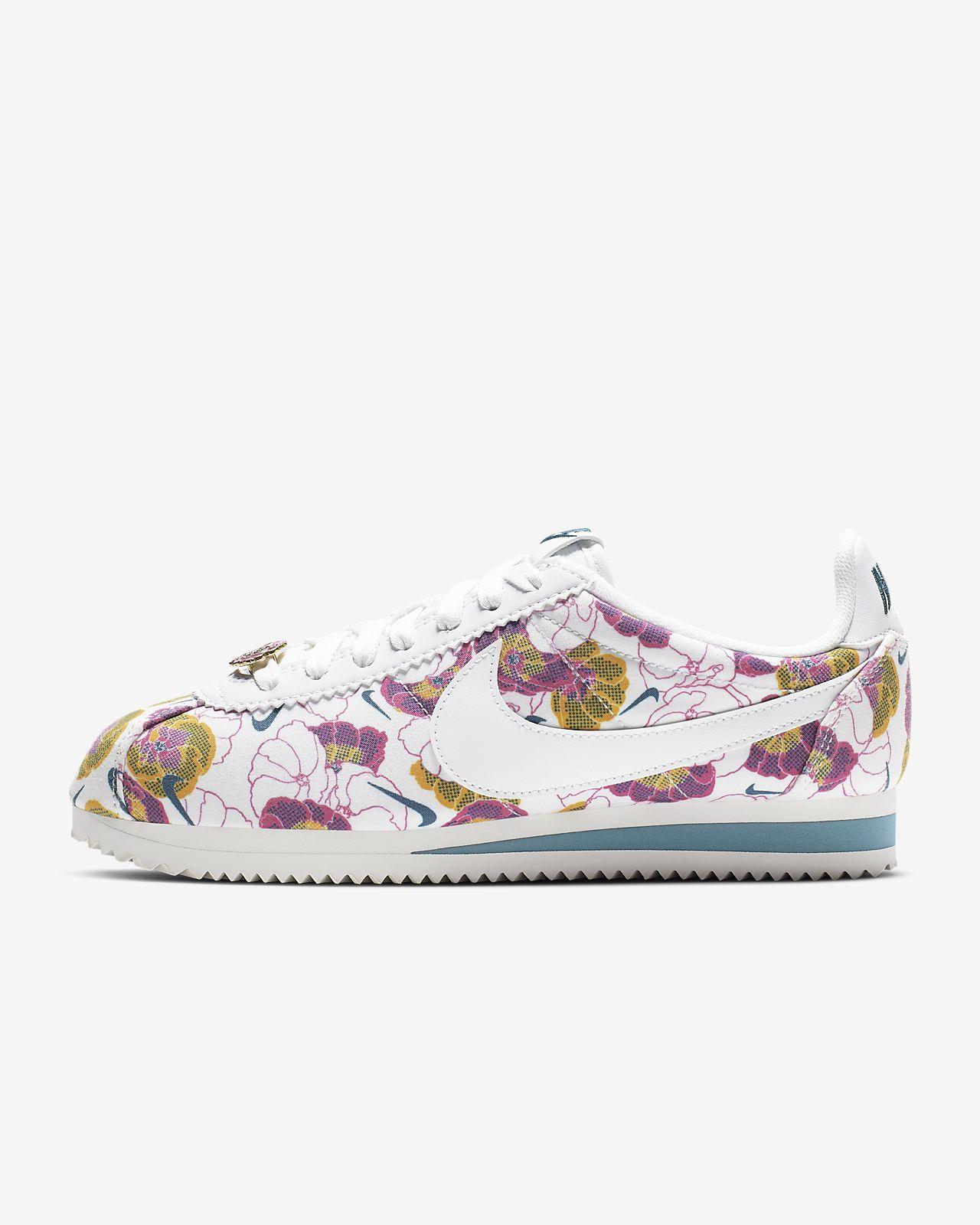 รองเท้าผู้หญิง Nike Classic Cortez LX Floral