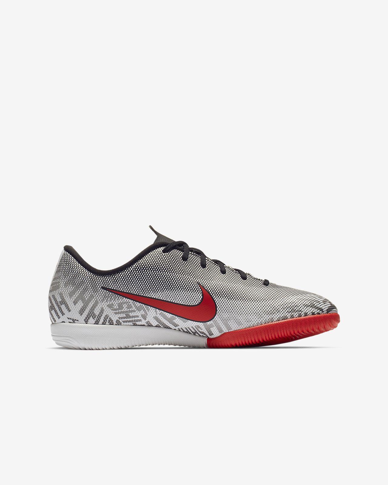 686b192db0f8d ... Halowe buty piłkarskie dla małych dużych dzieci Nike Jr. Vapor XII Academy  Neymar Jr