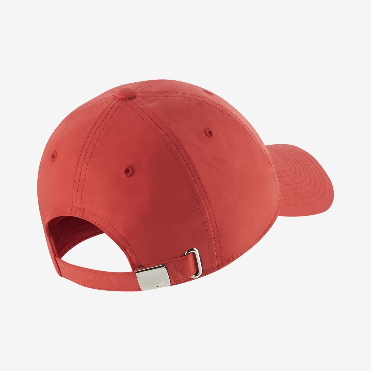 5d736fd9eb7 Nike Sportswear Metal Swoosh Logo Adjustable Hat. Nike.com IN