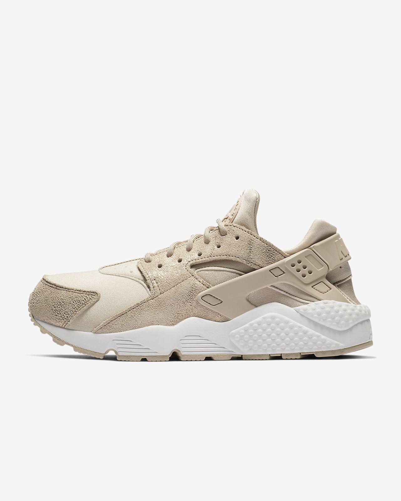 Nike Air Huarache Run Women's Shoe