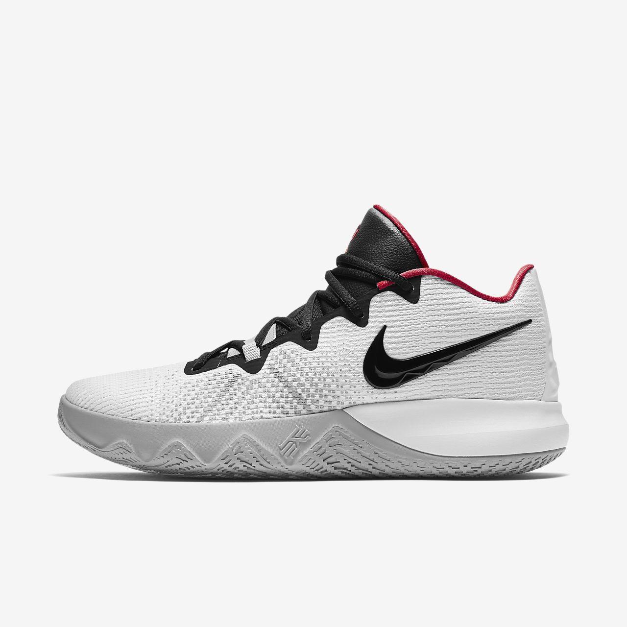 7dc4a0de305 Kyrie Flytrap Basketball Shoe. Nike.com FI