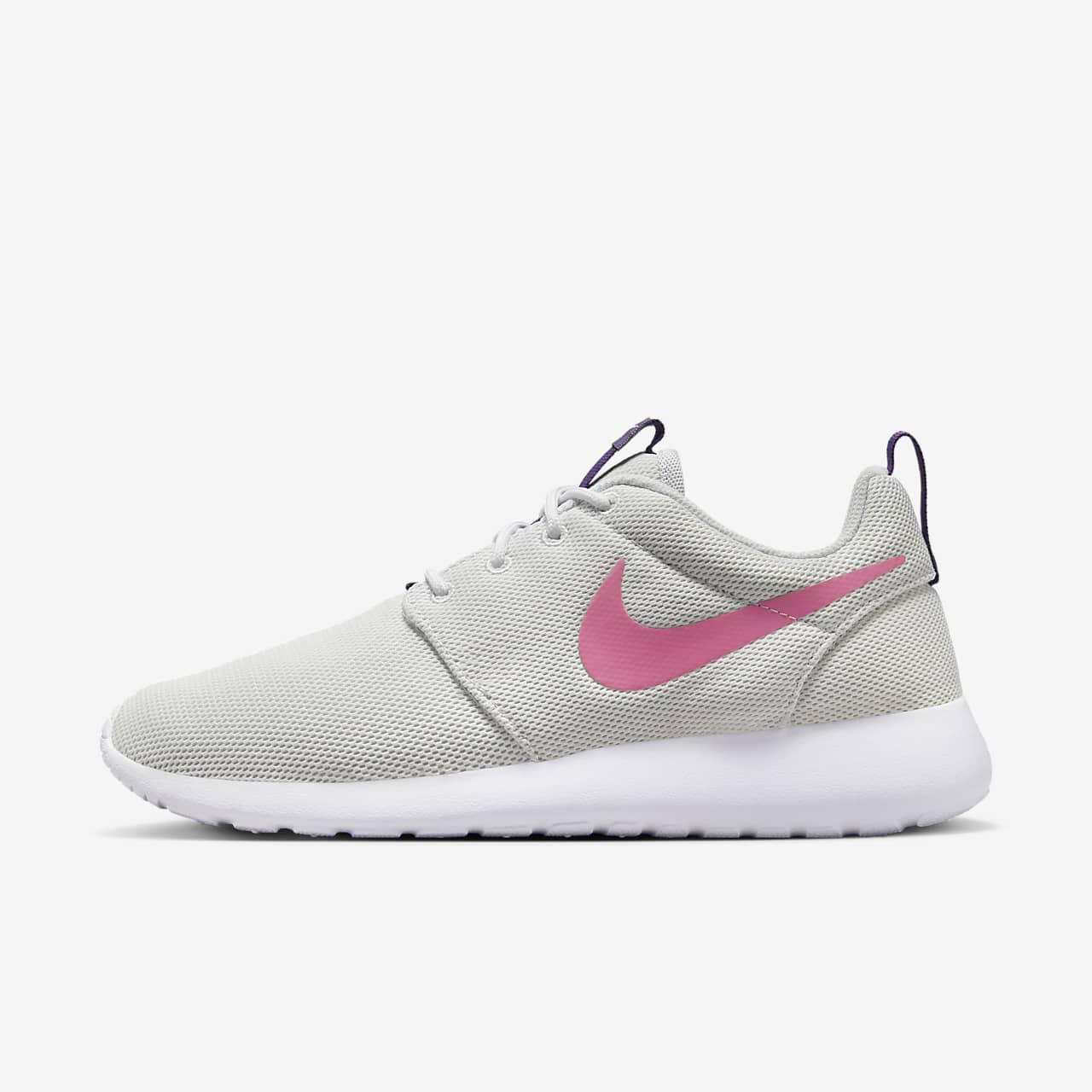 Women's Shoe. Nike Roshe One