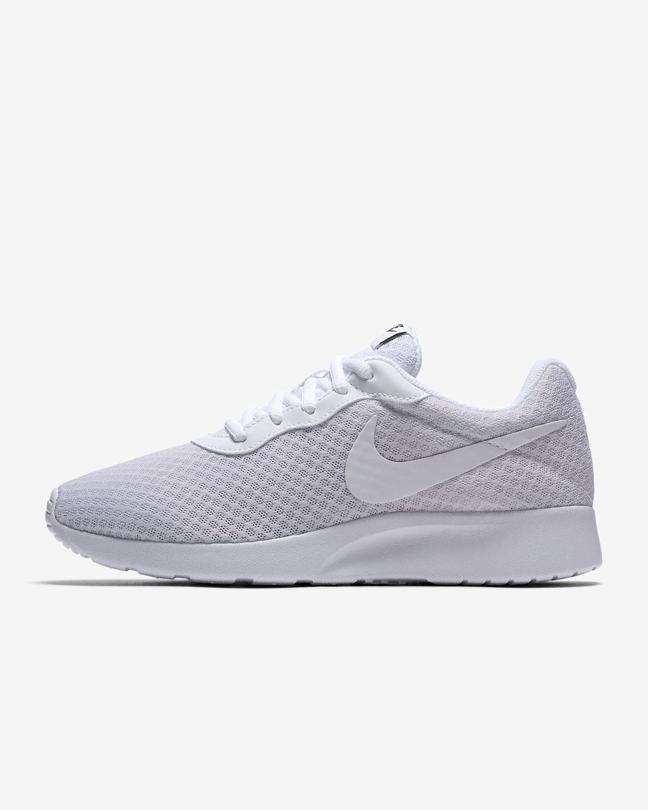 Nike Tanjun Women's Shoe. Nike CA