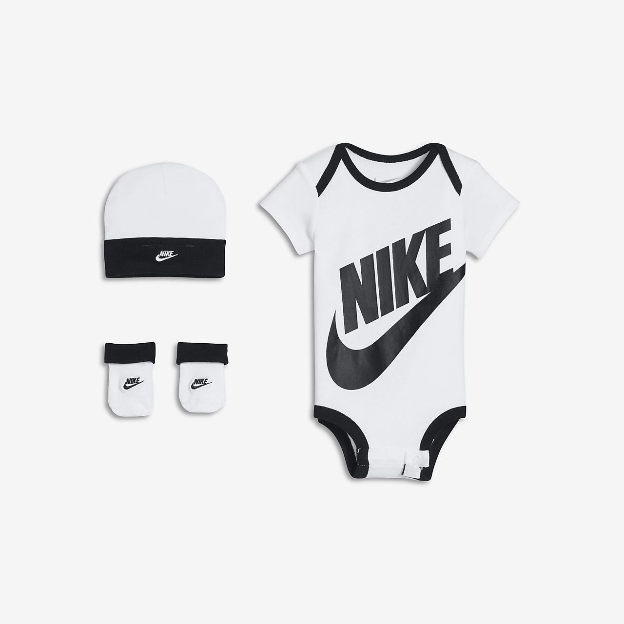 Nike Sportswear háromrészes szett babáknak