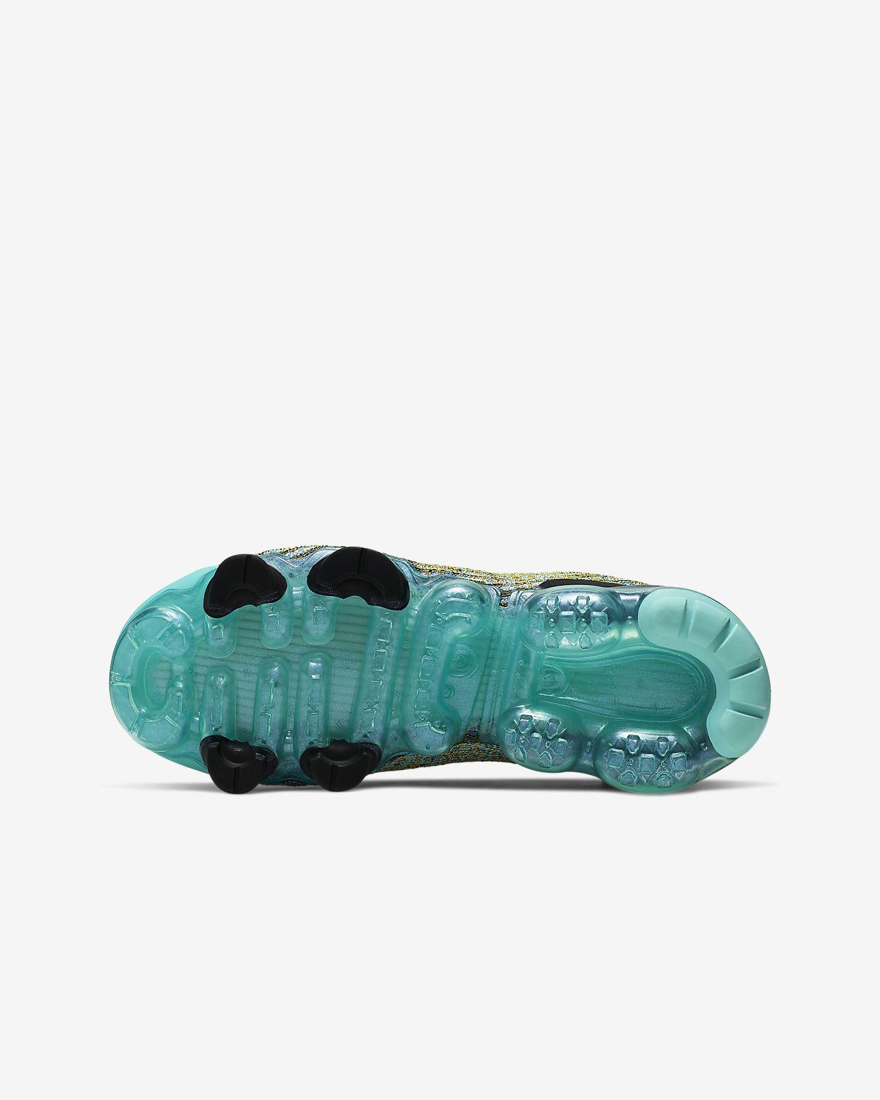 new arrival 45c61 ee533 Nike Air VaporMax Flyknit 3 Older Kids' Shoe