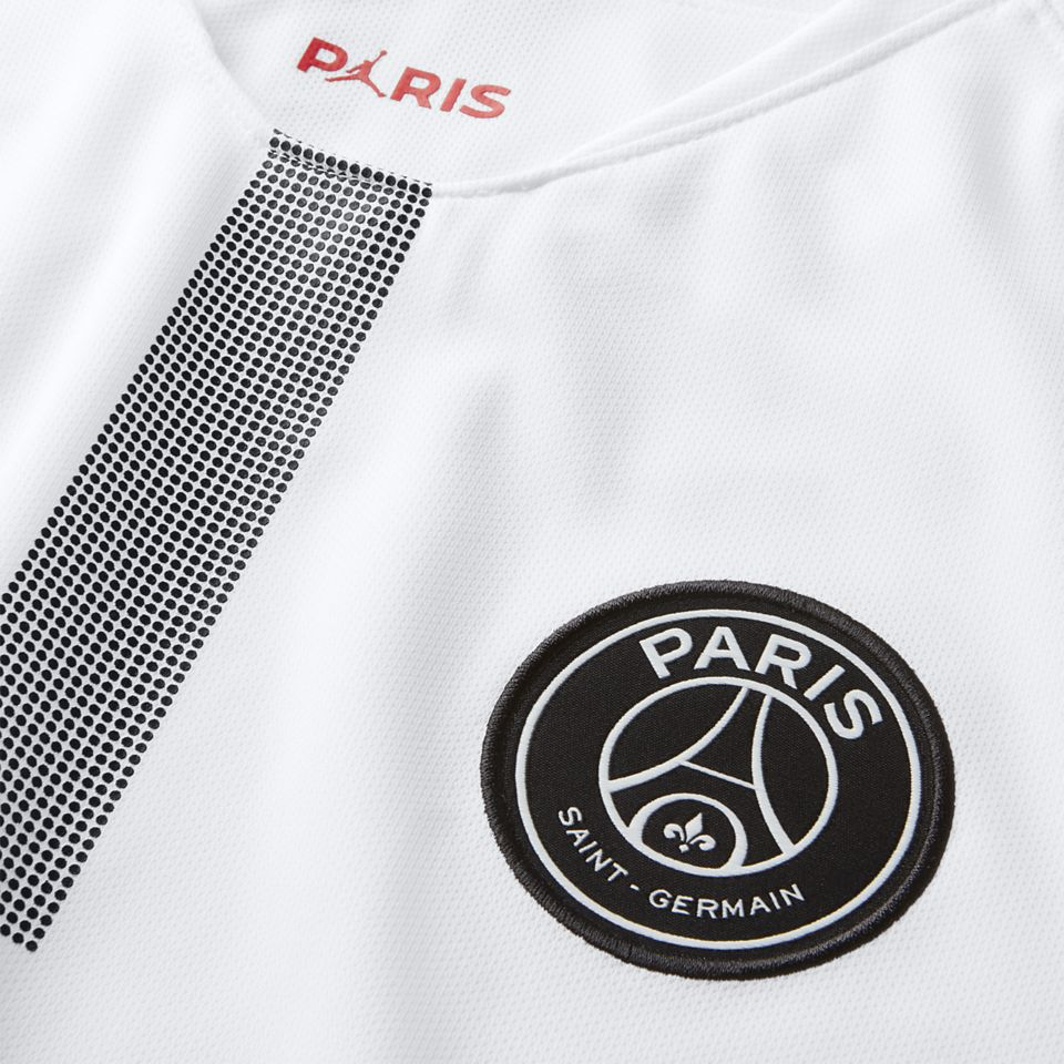 Jordan X Paris Saint-Germain 2018 2019 White kit. Nike.com GB a8d12ff99