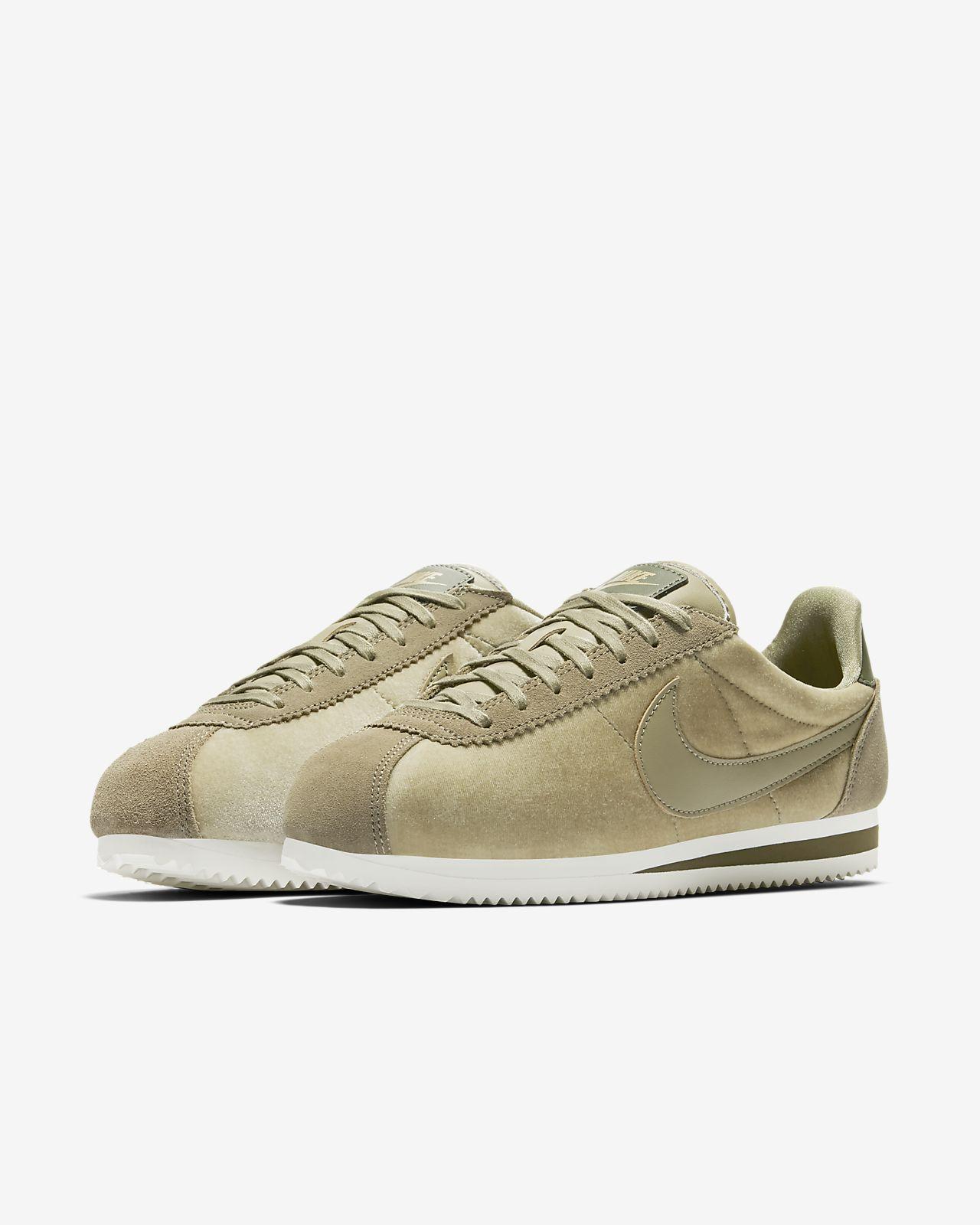 ... Nike Cortez SE Women's Shoe