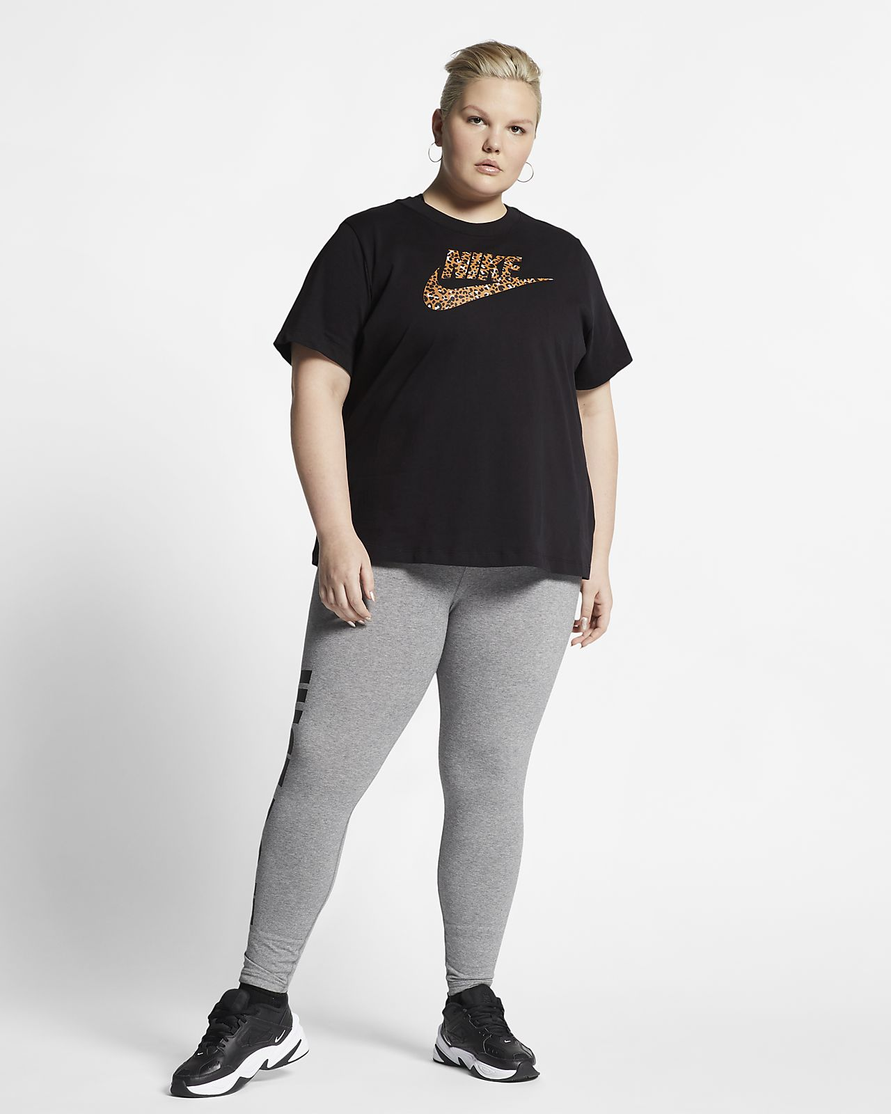 Damska koszulka z krótkim rękawem Nike Sportswear Animal Print (duże rozmiary)