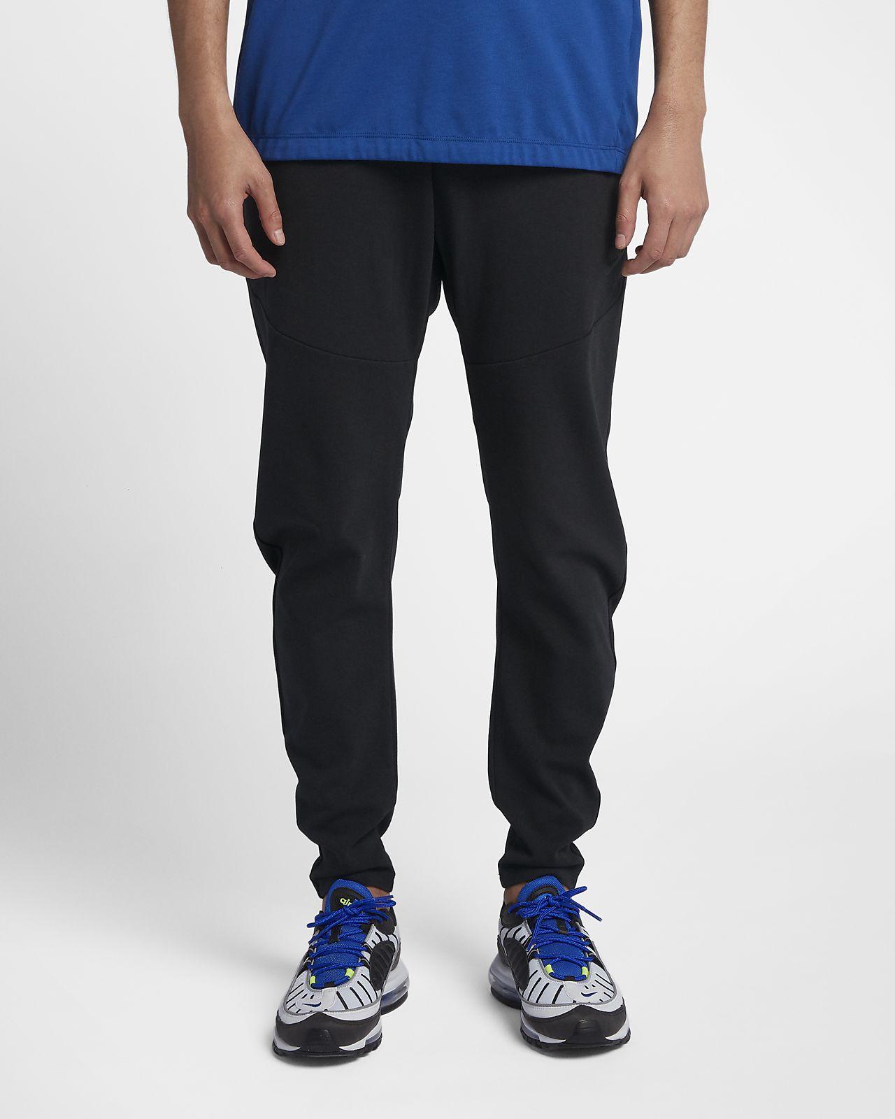 กางเกงผู้ชาย Nike Sportswear Tech Pack
