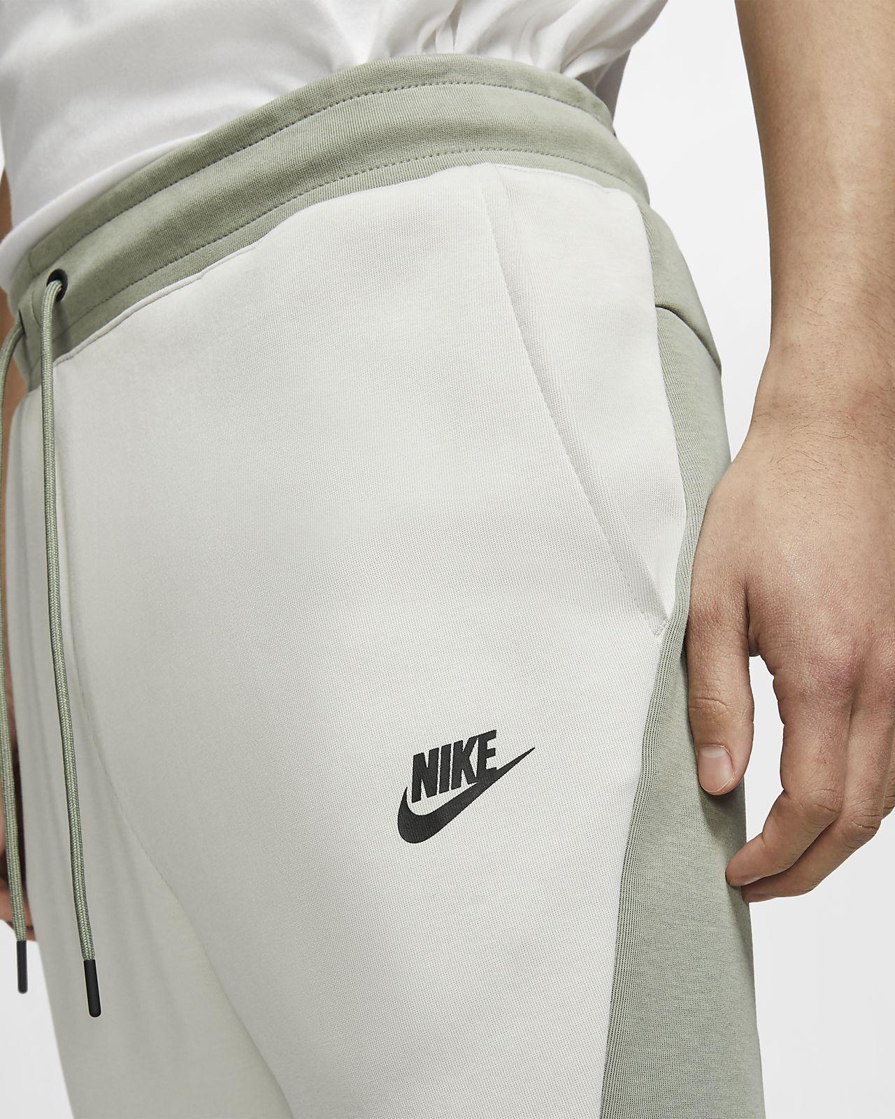 9e1b0e3b4a5fed Nike Sportswear Tech Fleece Men's Joggers. Nike.com GB
