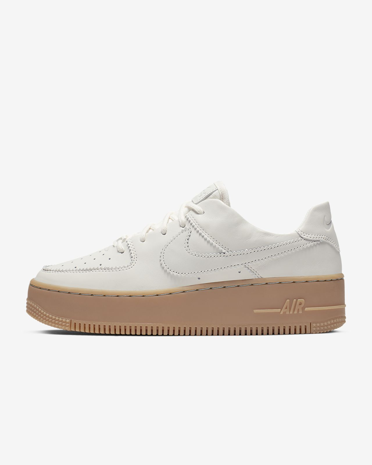 e10cc01d0 Nike Air Force 1 Sage Low LX Women s Shoe. Nike.com GB