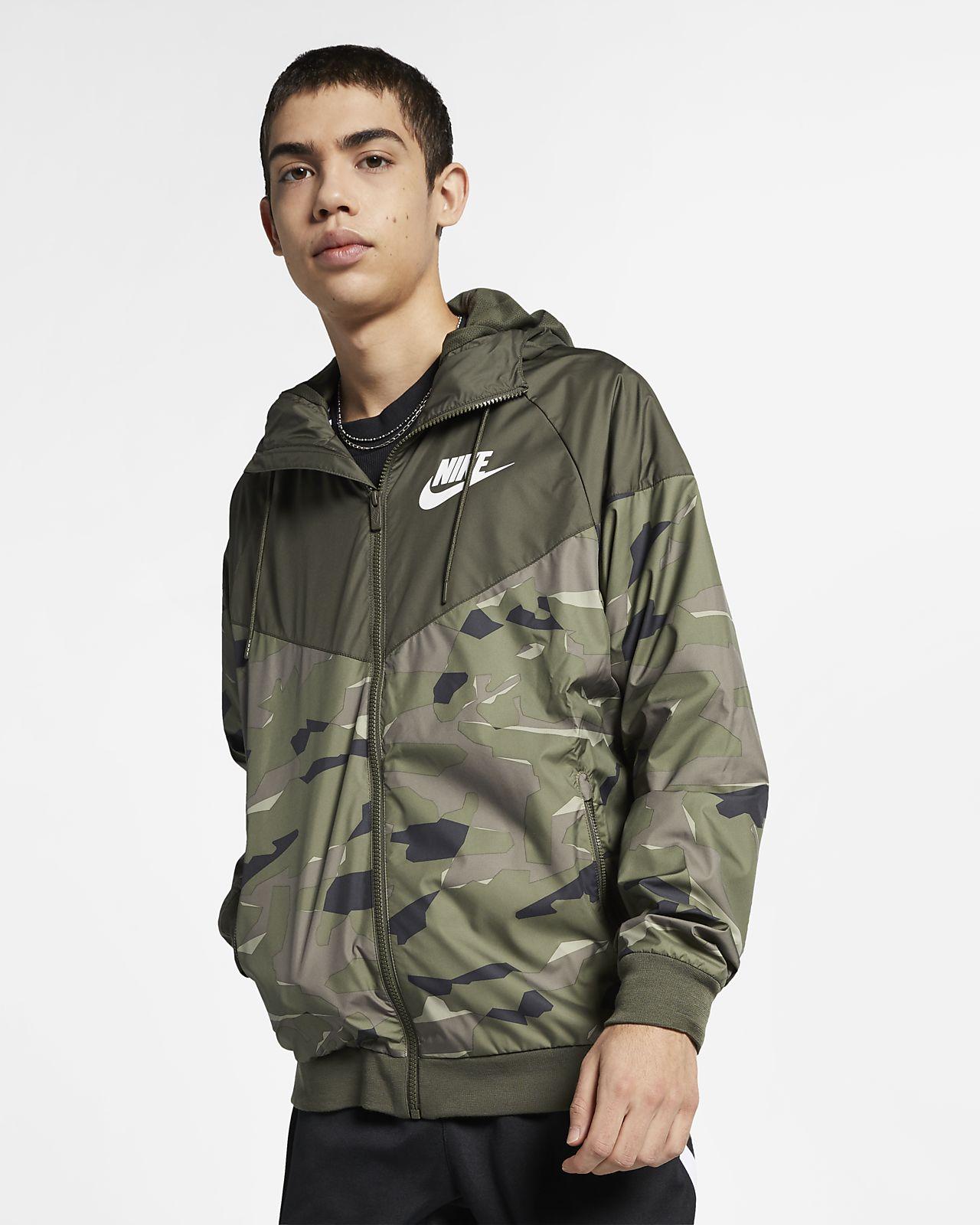 Chamarra con estampado de camuflaje para hombre Nike Sportswear Windrunner 22e9687b2d1ee