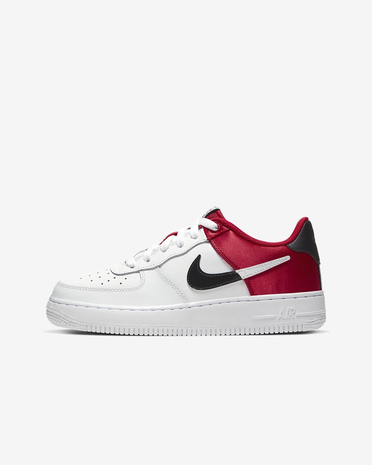 Nike Air Force 1 NBA 低筒大童鞋款