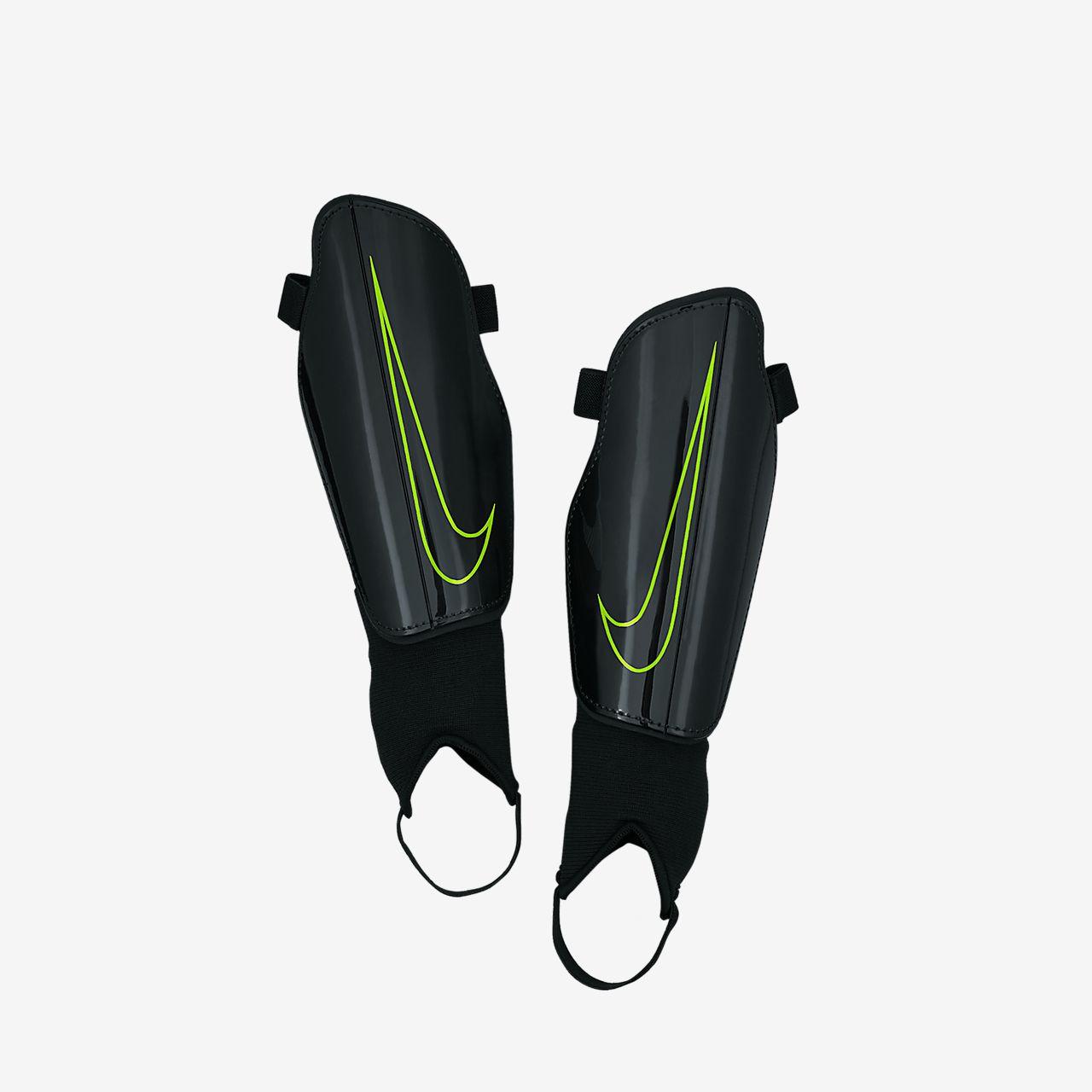 Skenbensskydd för fotboll Nike Charge 2.0