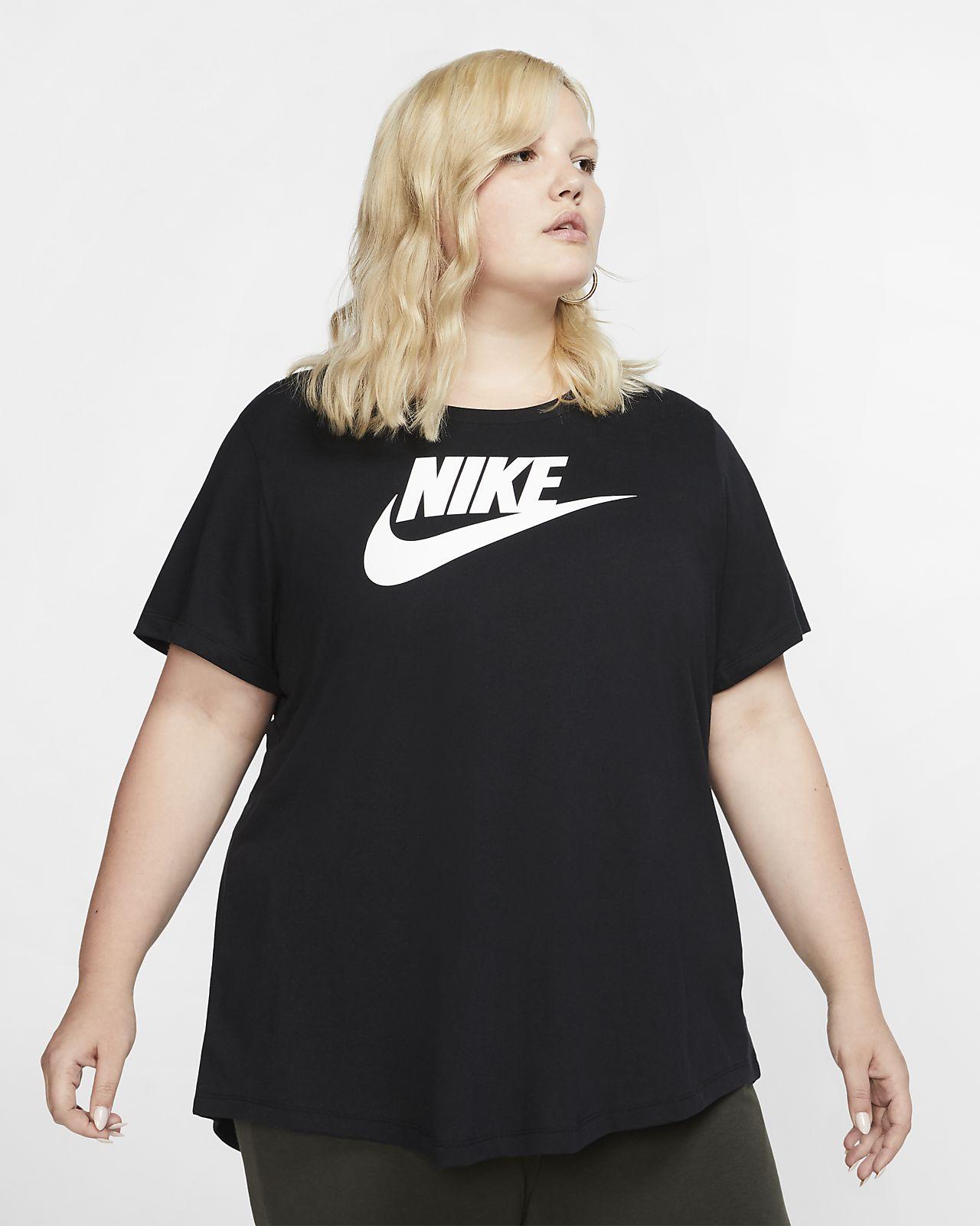 Nike Sportswear Essential T-skjorte til dame (stor størrelse)