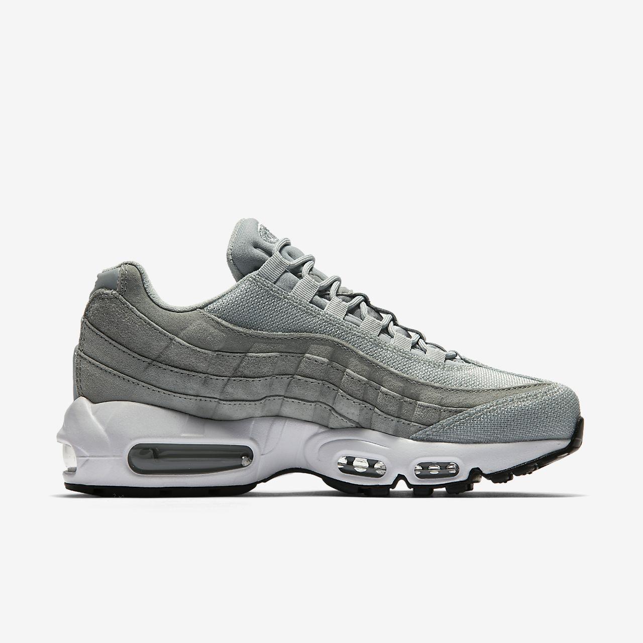 Nike Women's Air Max 95 Premium Sneaker 92UjeJGW