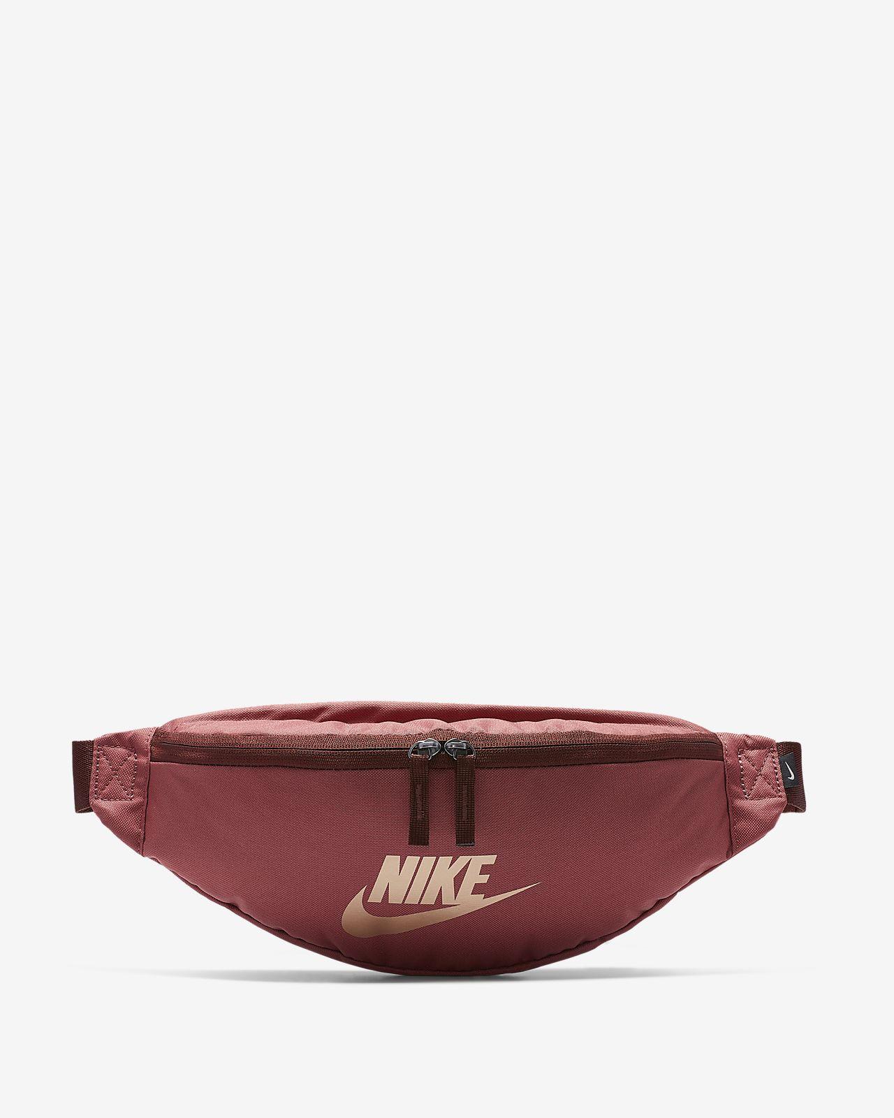 how to buy sneakers first look Sac banane Nike Sportswear Heritage