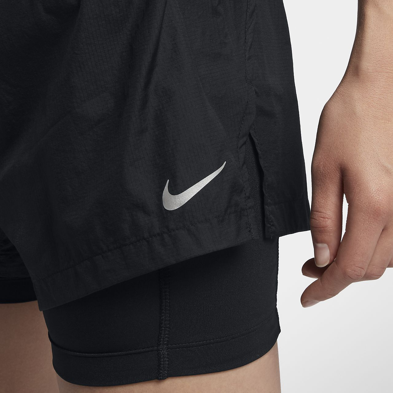 ... Short de running Nike Run Division Elevate 2-in-1 8 cm pour Femme