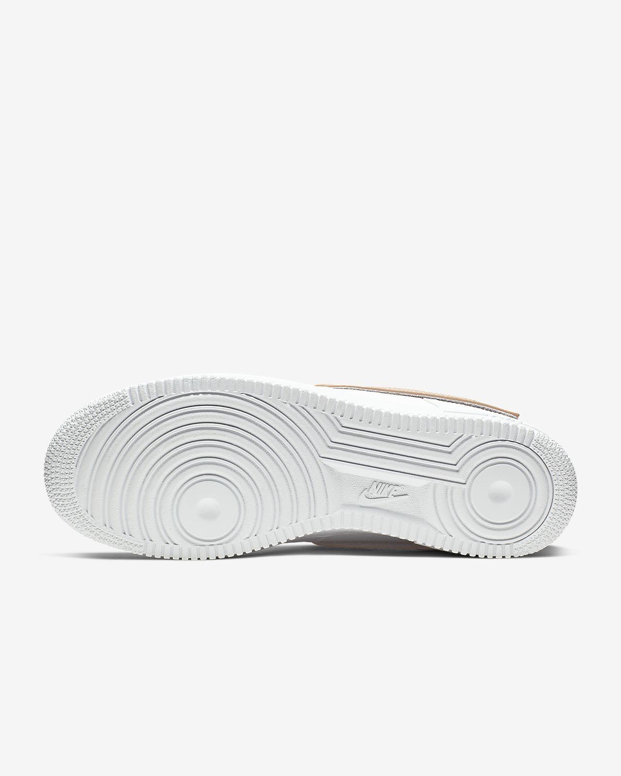 Calzado para hombre con Swoosh extraíble Nike Air Force 1'07 LV8 3
