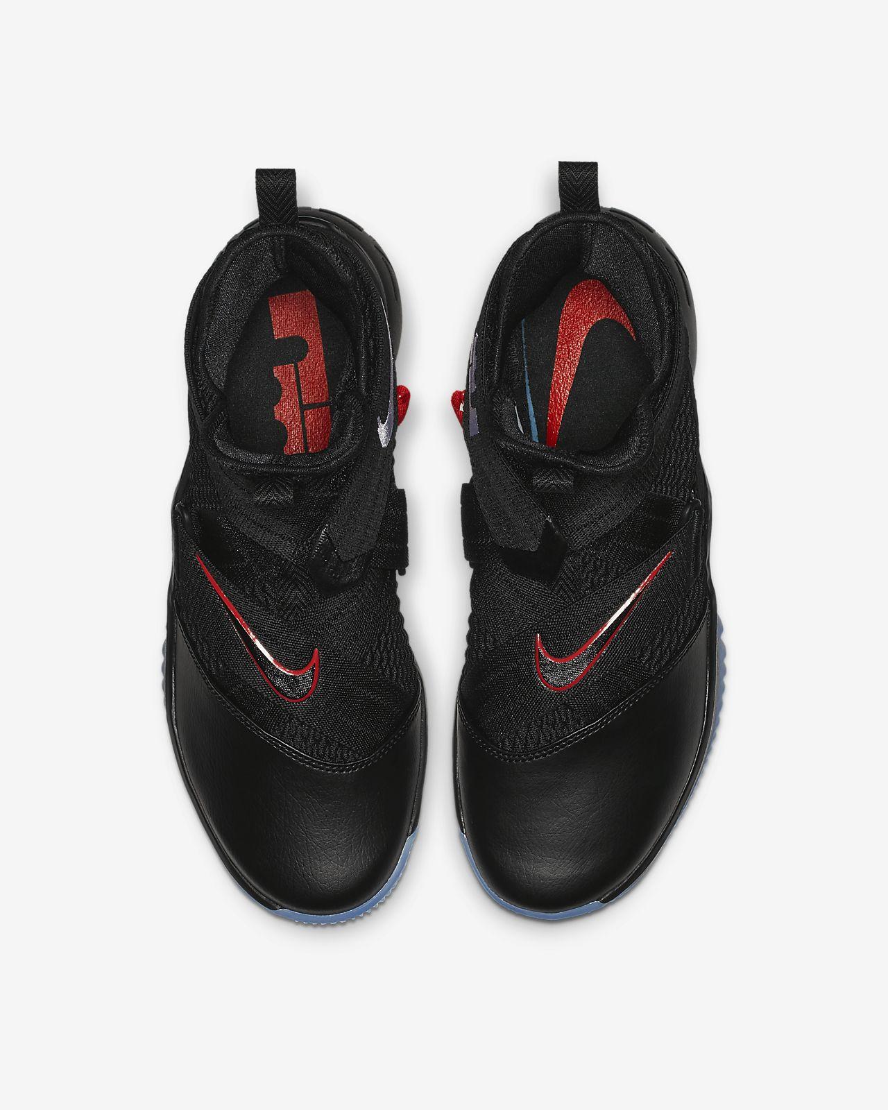 eba1cf7287d85 Calzado de básquetbol para hombre LeBron Soldier 12 FlyEase. Nike.com MX