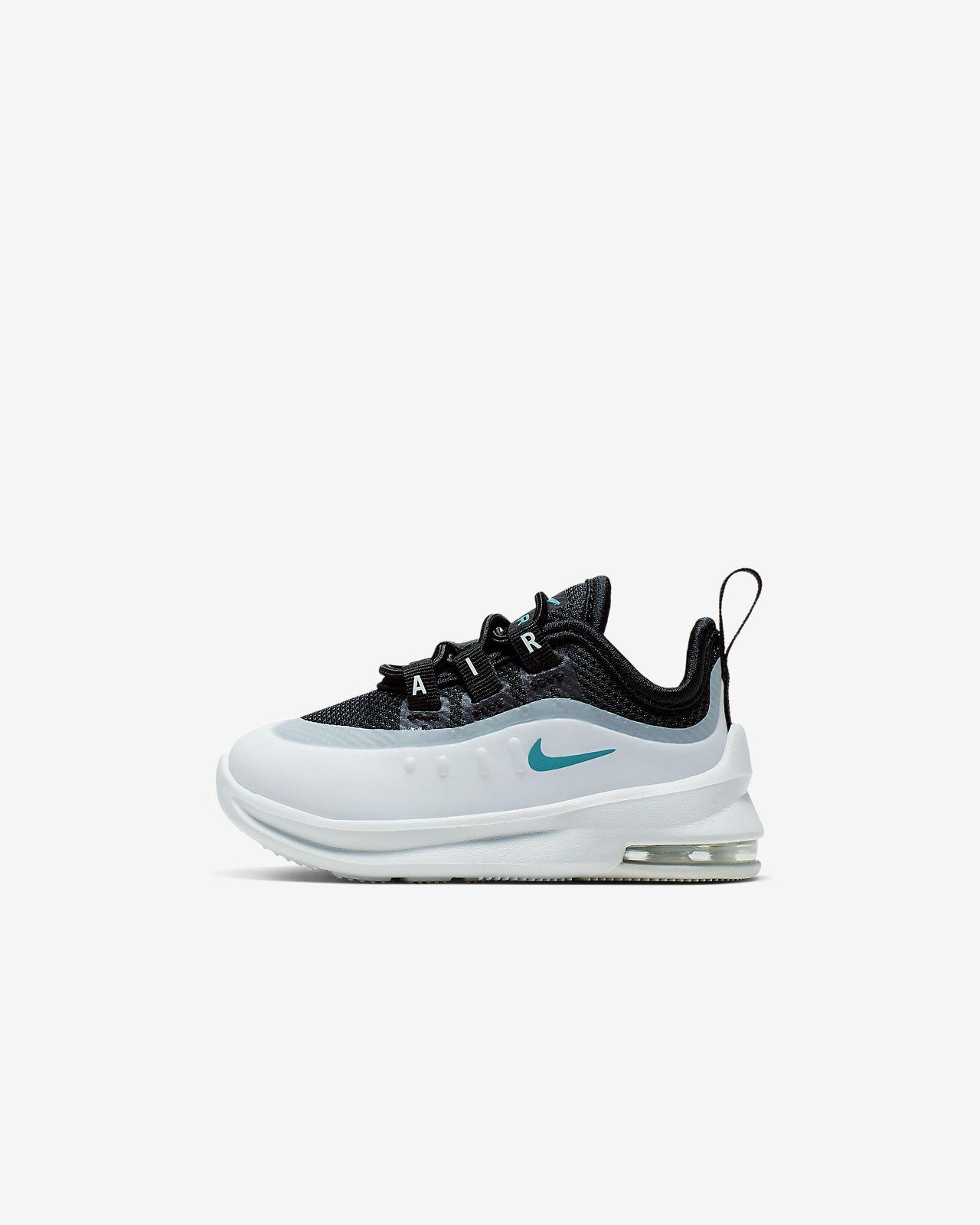 Nike Air Max Axis . junior schoenen wit