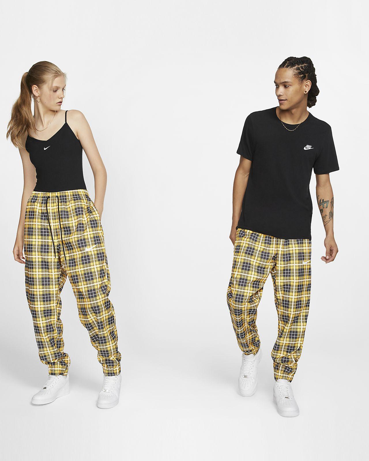 Pantalon de survêtement tissé à motif écossais Nike