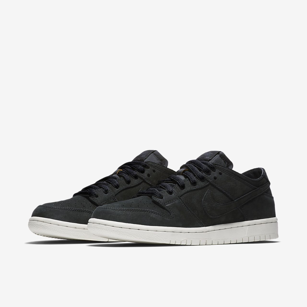 Nike Sb Zoom Dunk Low Pro Deconstructed Black Model Aviation