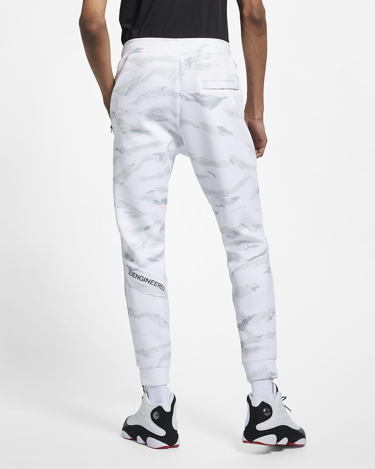d835f0355da8 Jordan Sportswear Flight Tech Men s Camo Trousers. Nike.com CA