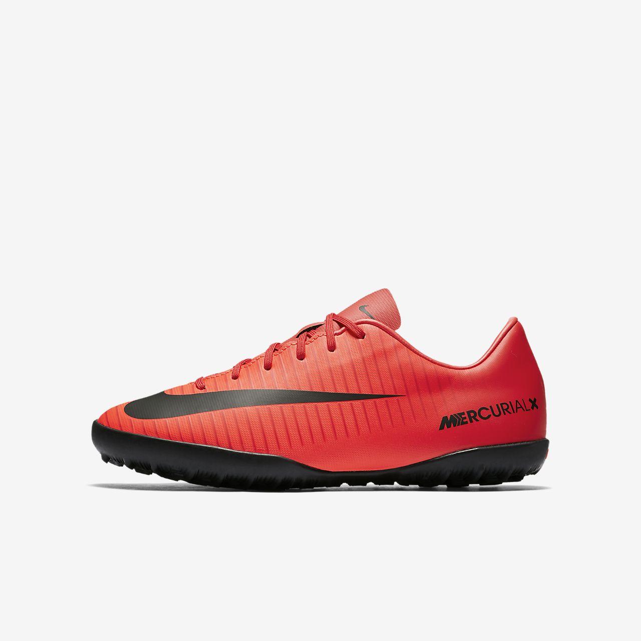 scarpe da calcio nike per campi sintetici