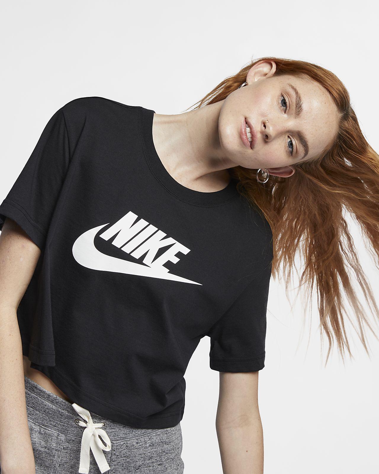 Nike Sportswear Essential kort T shirt til kvinder